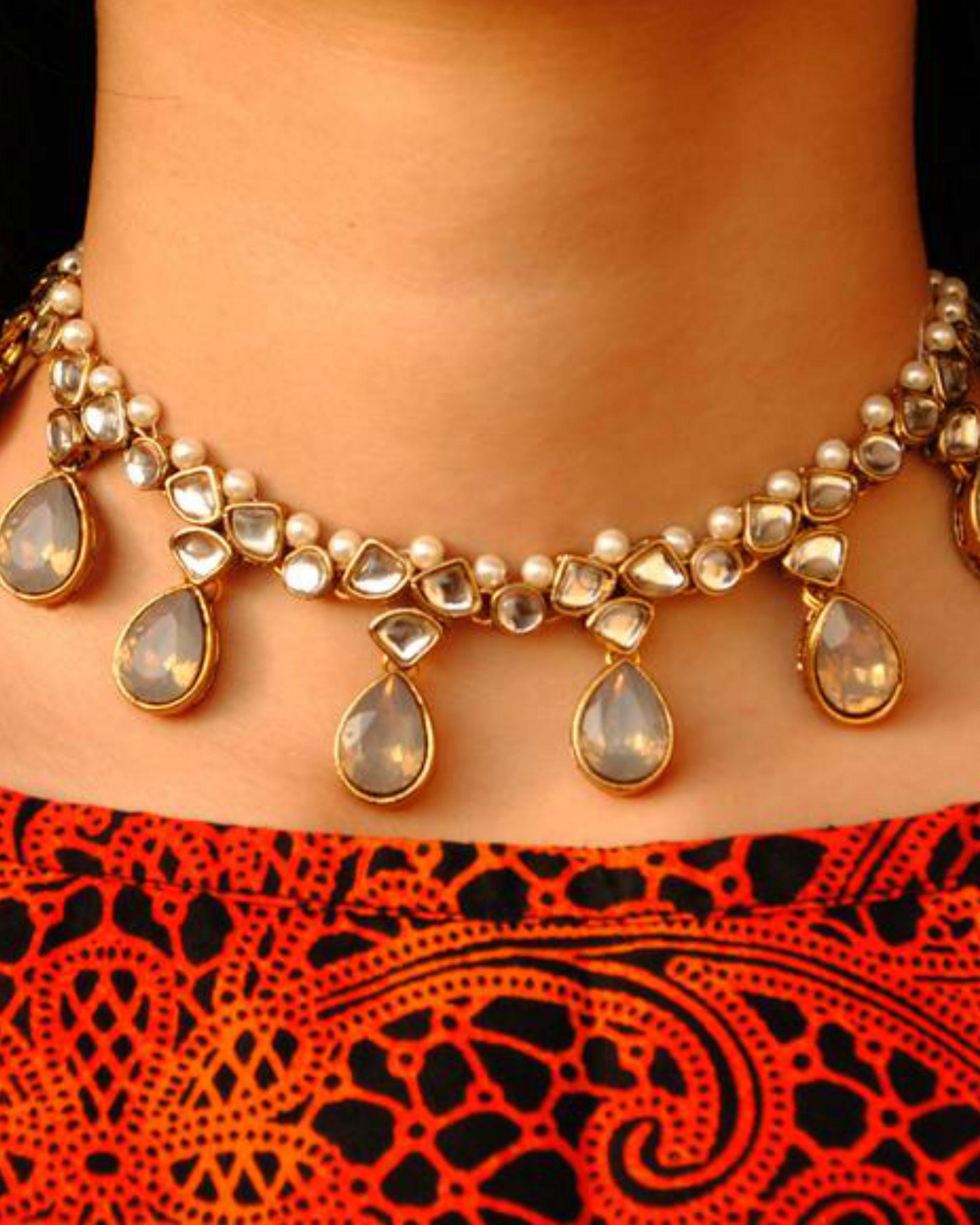 Grey crystal kundan necklace