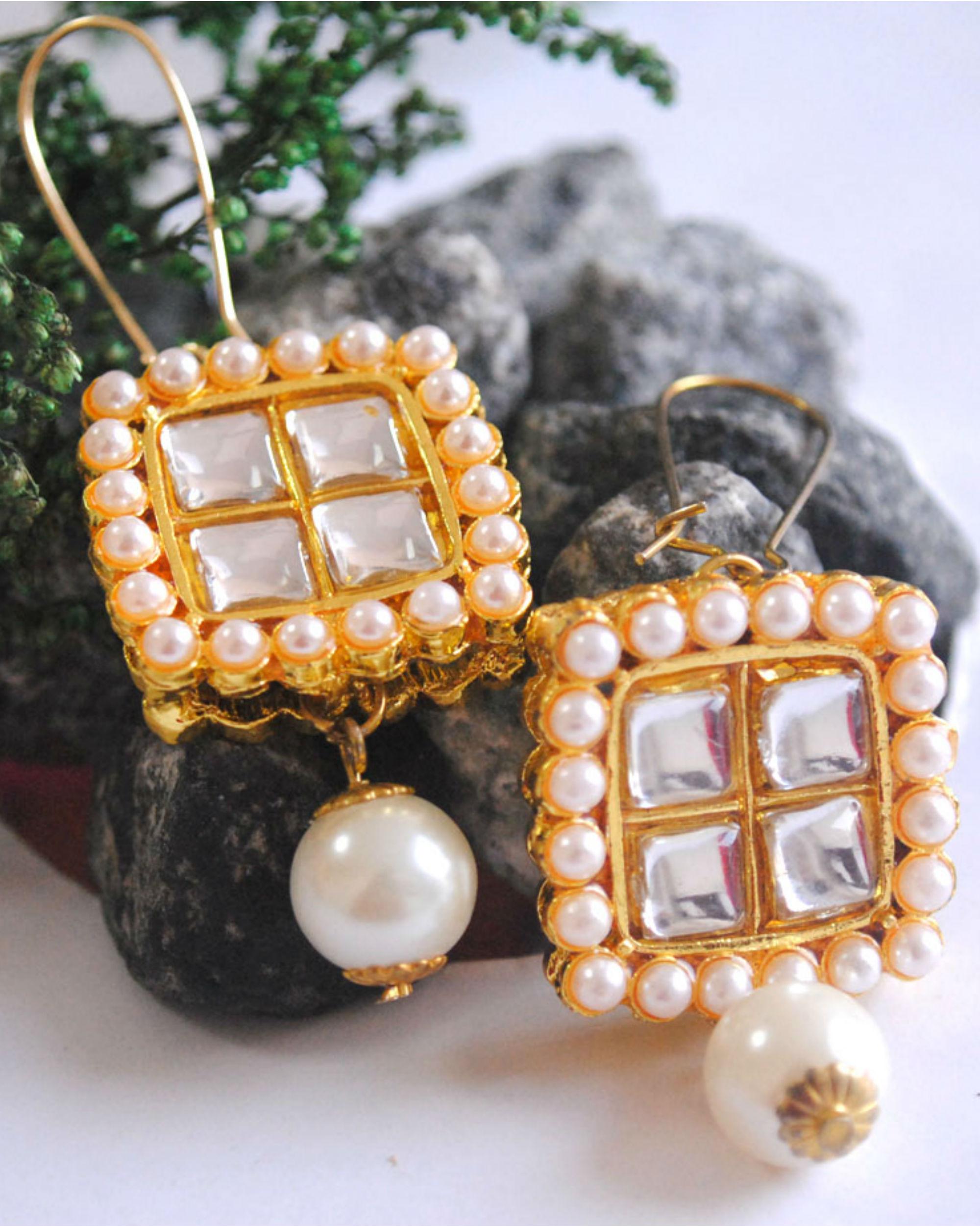 Square kundan earrings