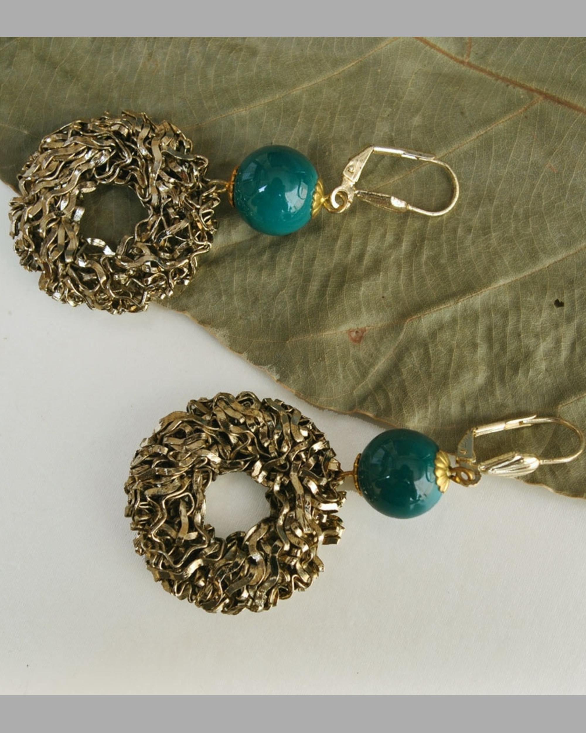 Flat wire mesh earrings