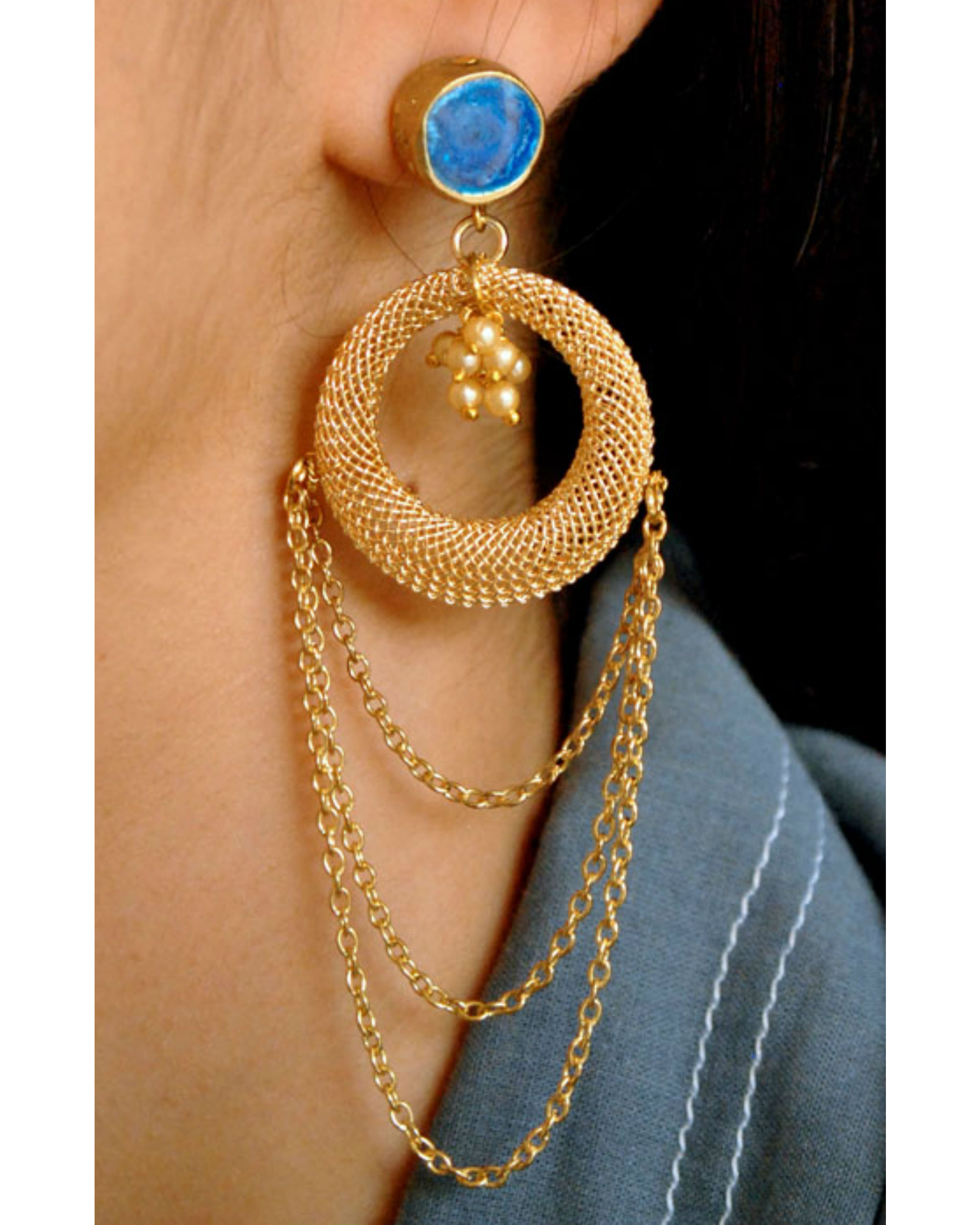 Blue layer chain earrings