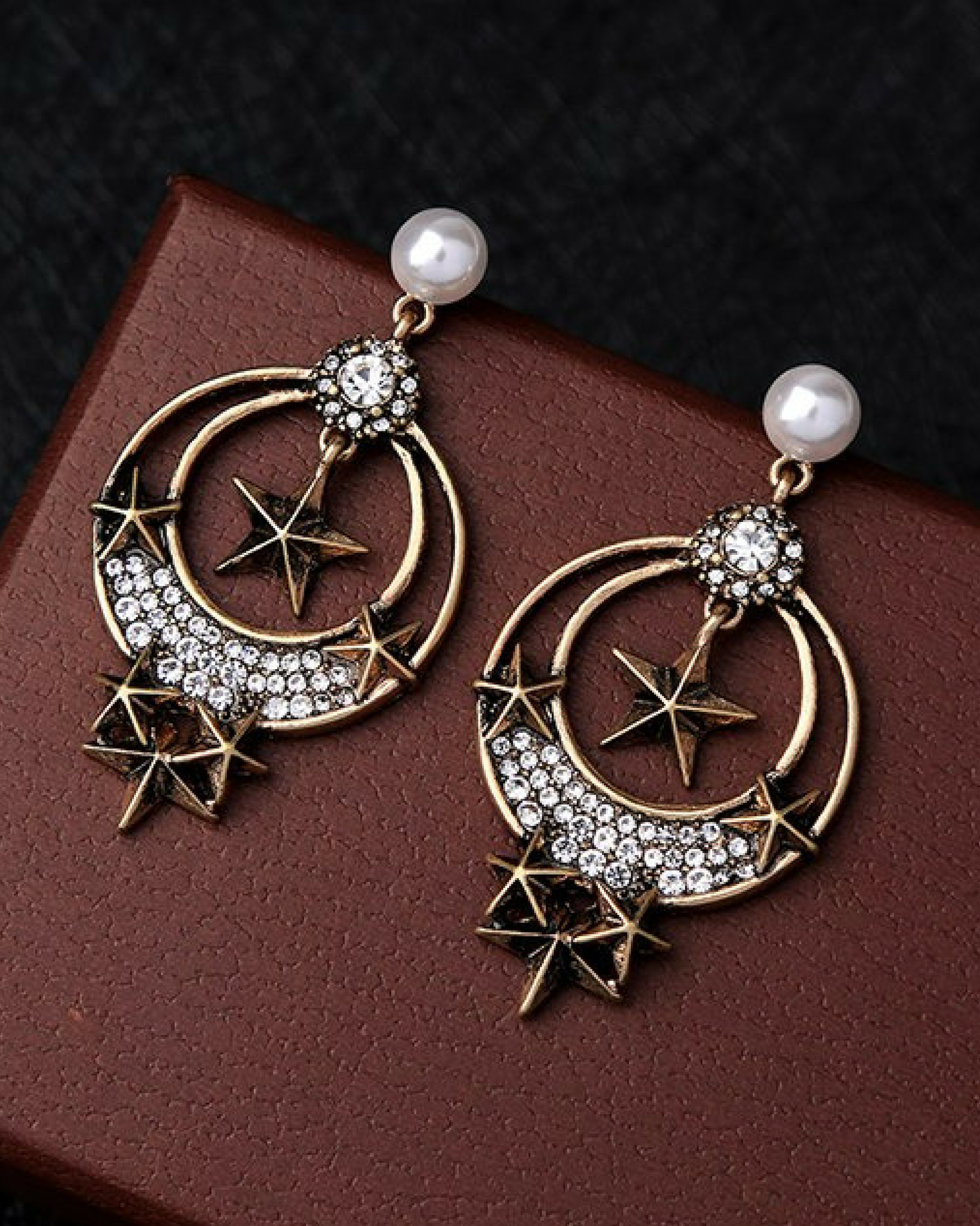 Rhinestone dangling antique earrings