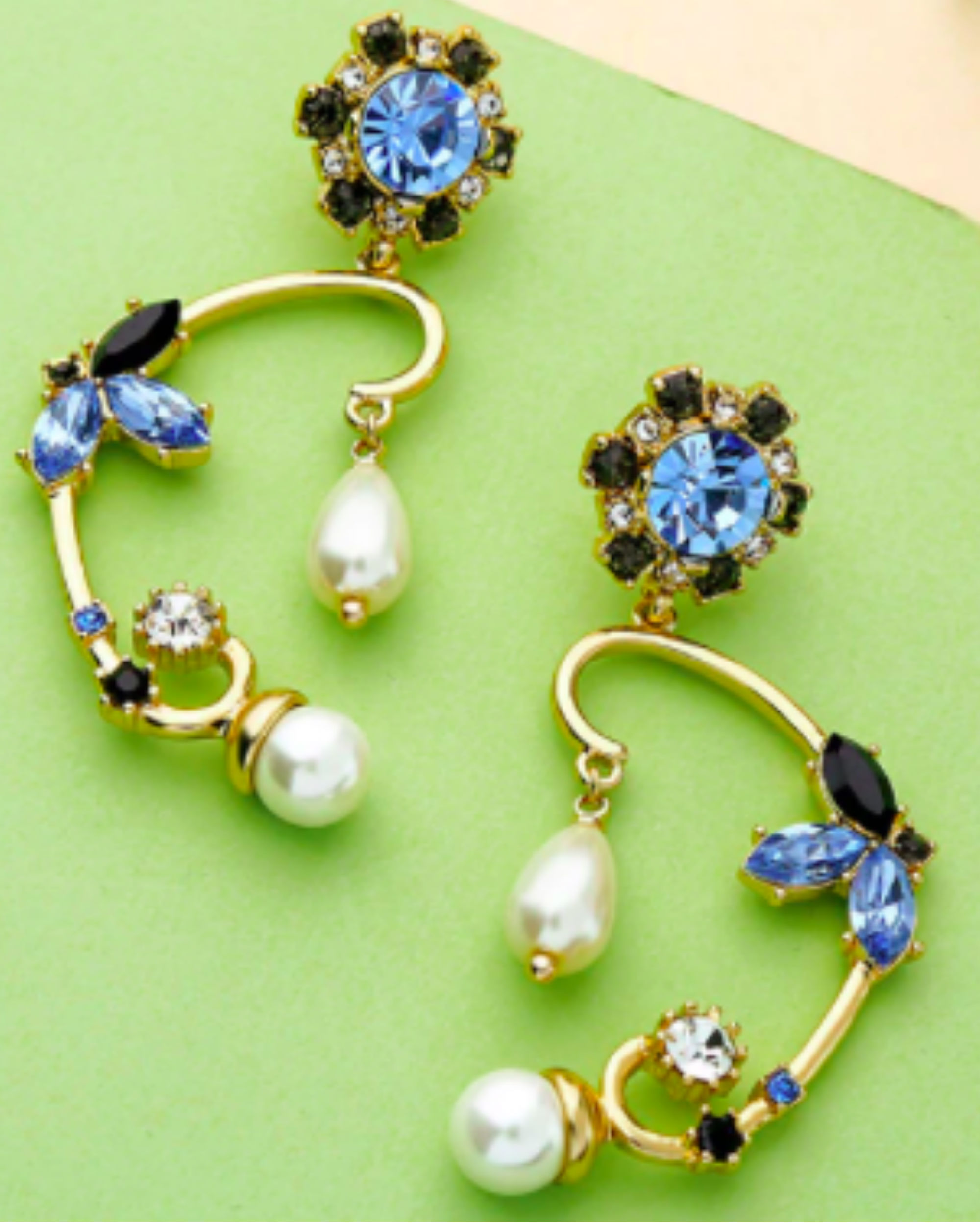 Luxury twist & turn earrings