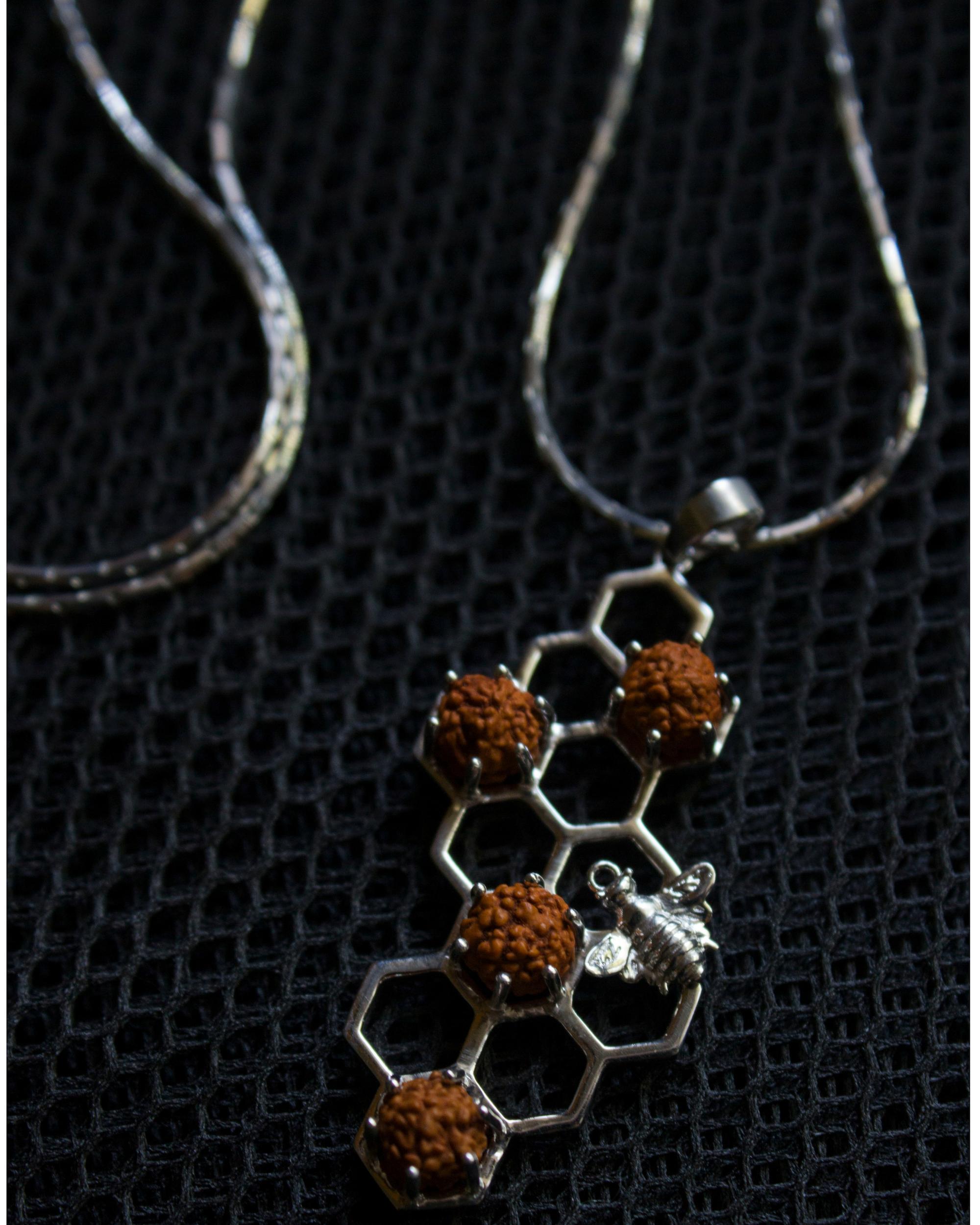 Silver buzz neck chain