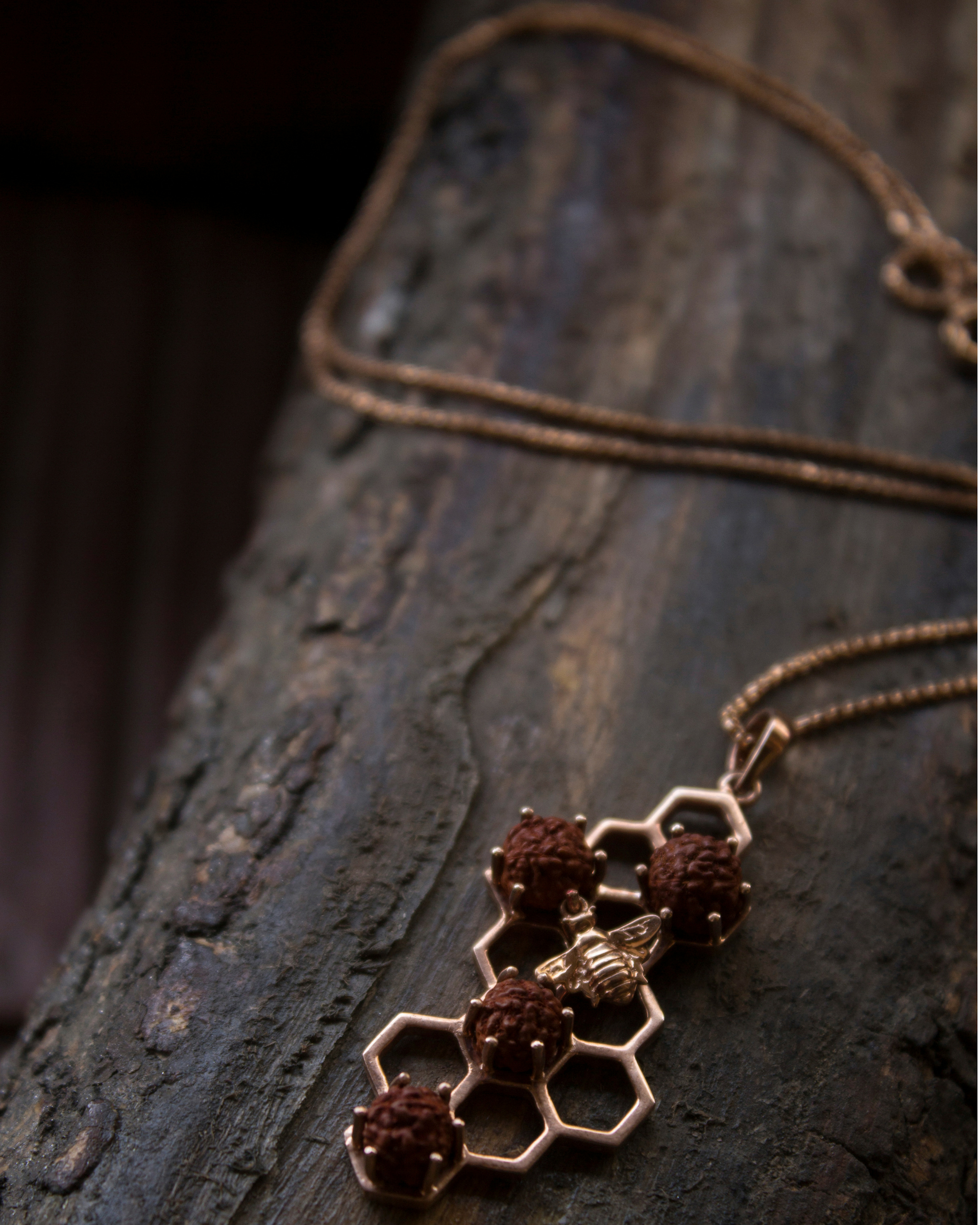 Rose gold buzz neck chain