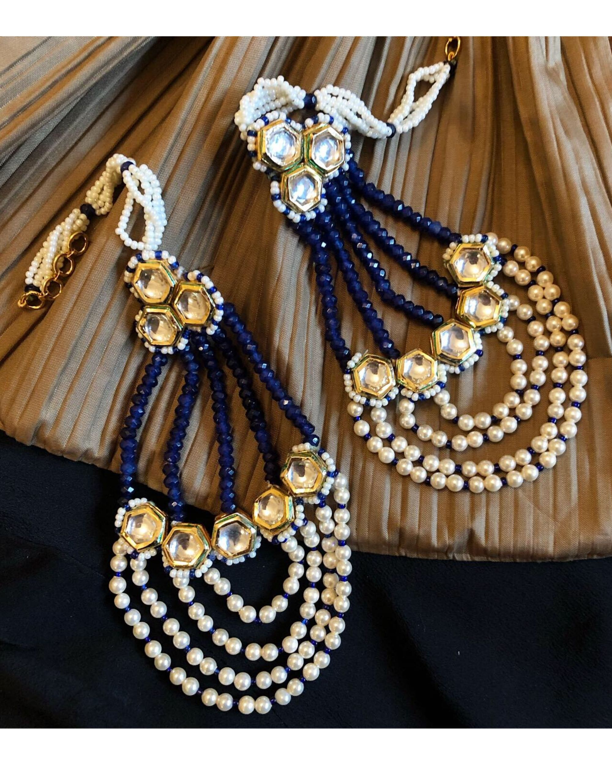 Sapphire blue stones and pearls passa earrings