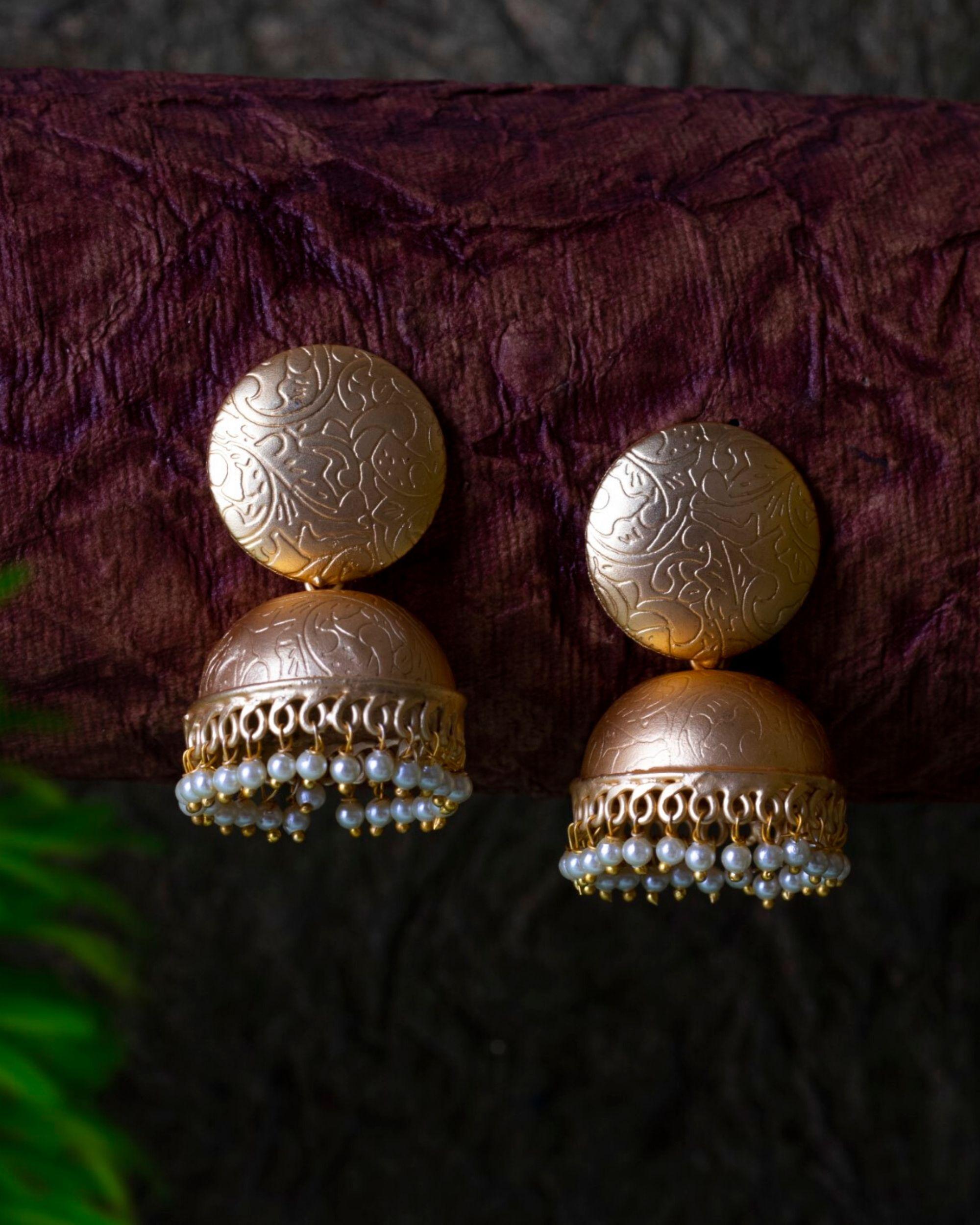 Floral engraved pearl jhumka
