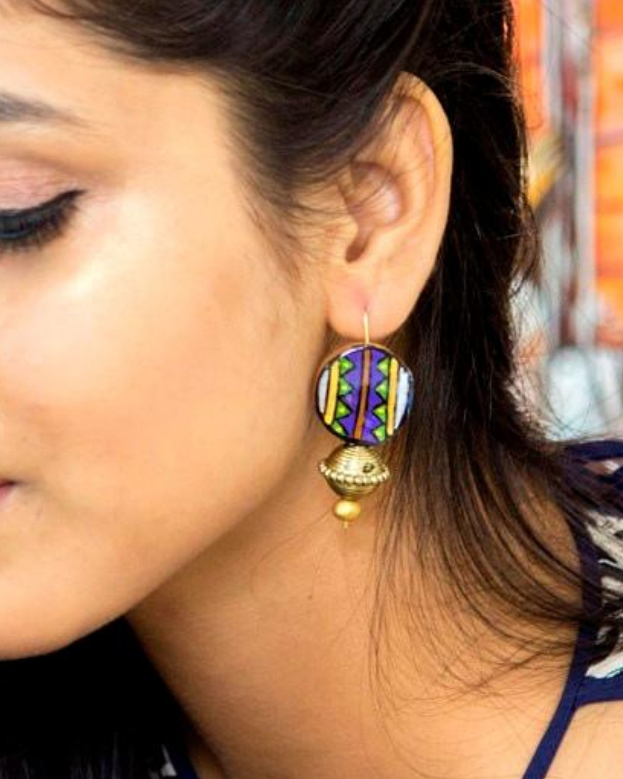 Zig zag motif beaded earring