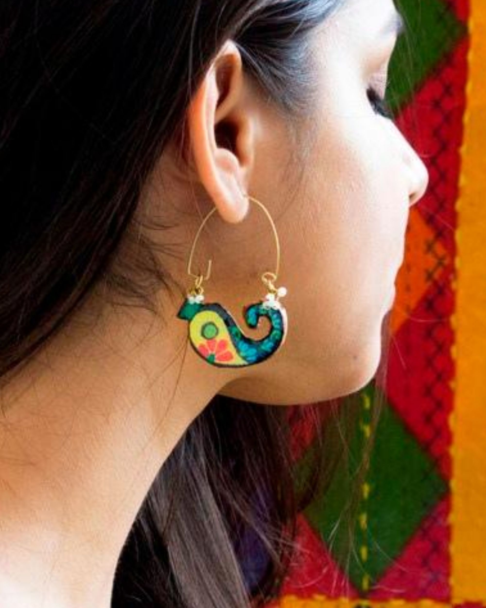 Paisley motif terracotta earring
