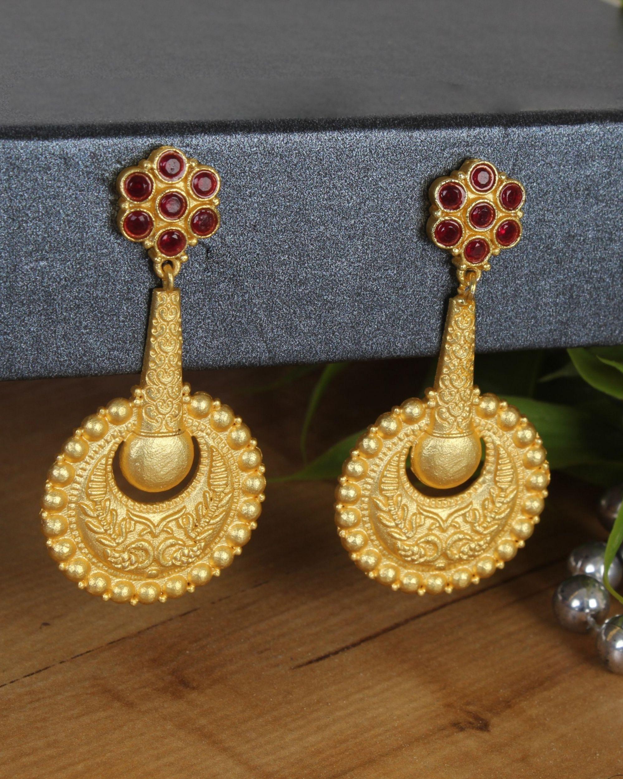 Red stone dangler earring