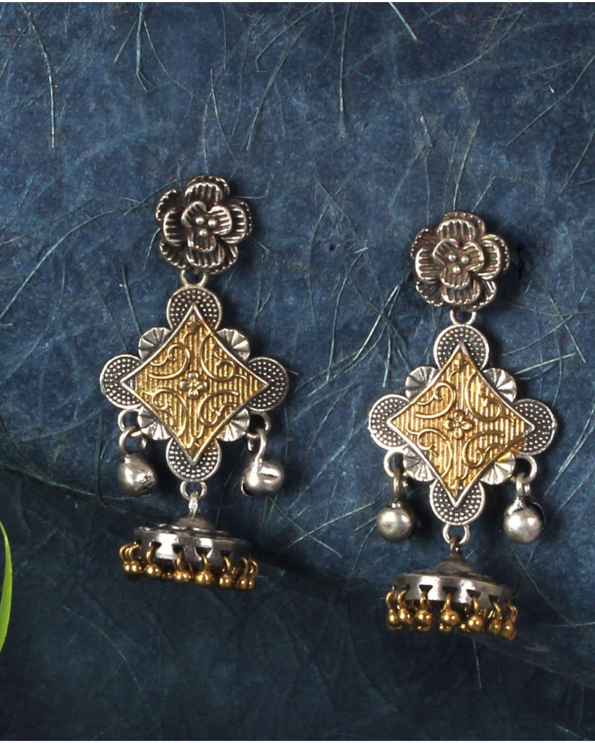 Dual toned diamond shaped ghunghroo earring
