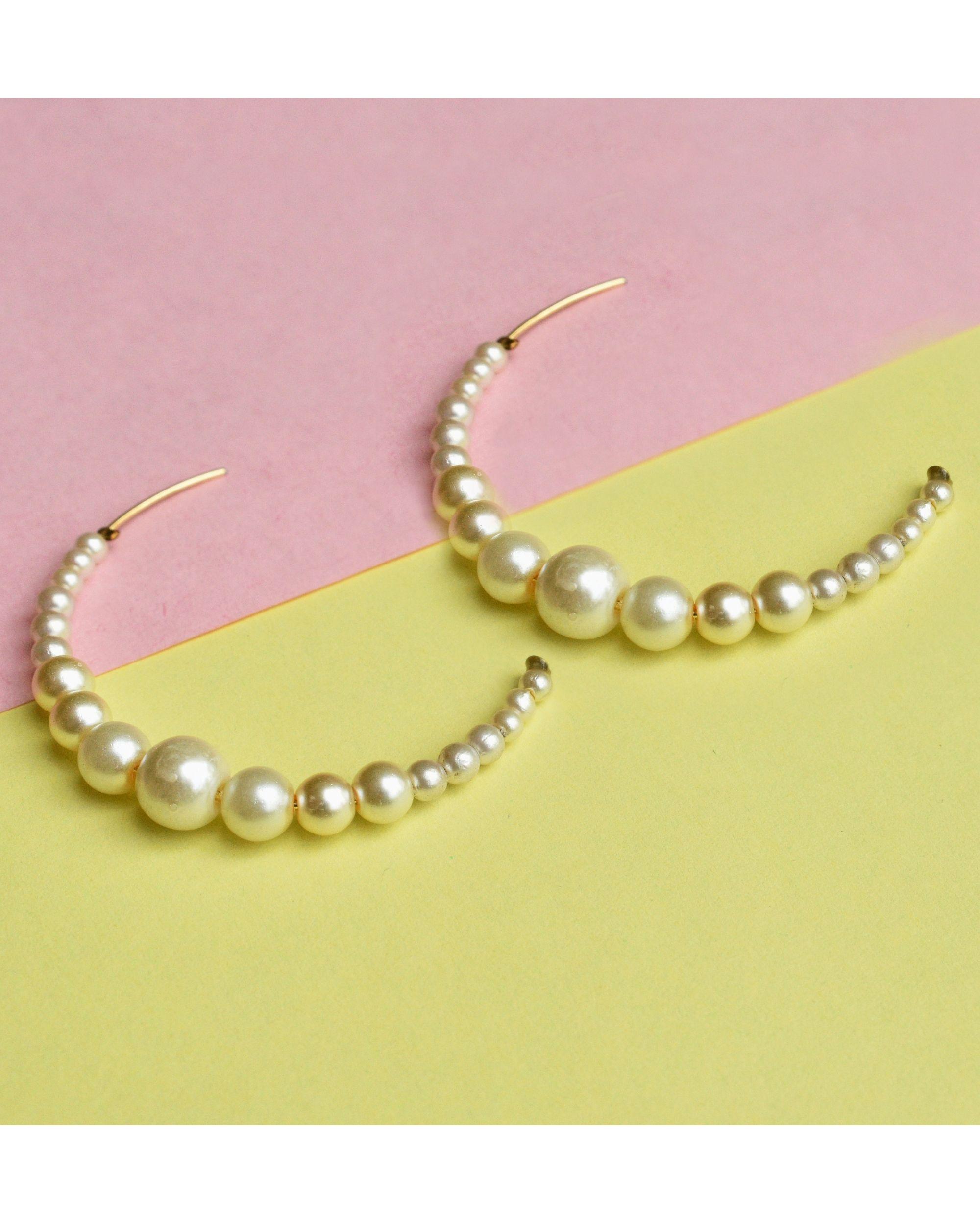 Half hoop peppy pearl earrings