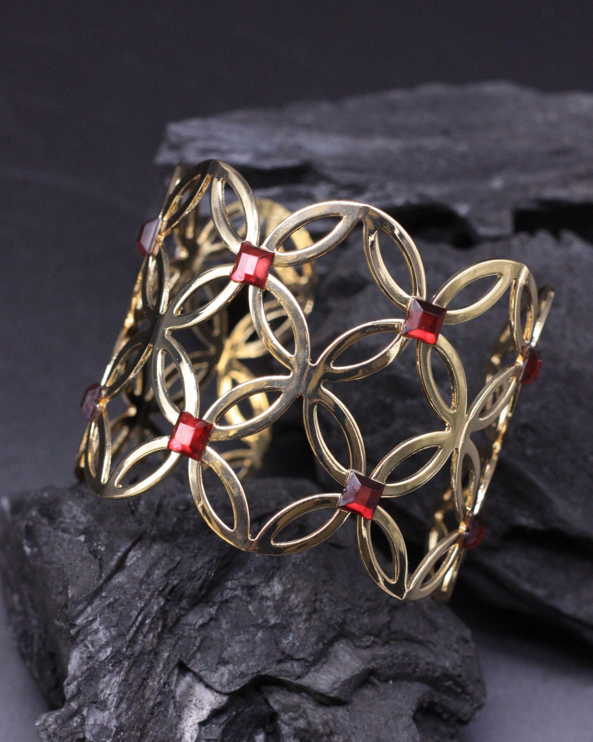 Petal motif cuff bracelet
