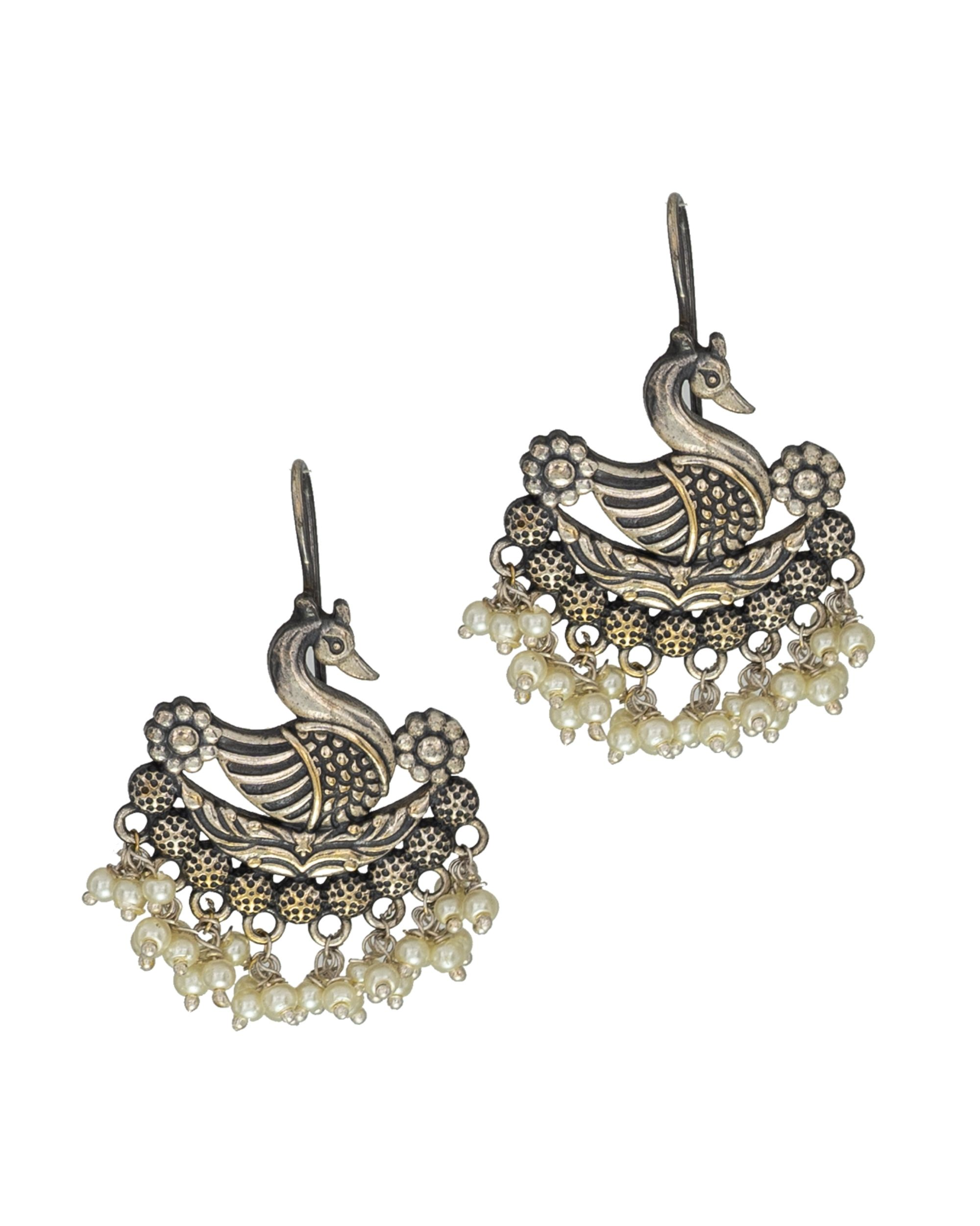 Swan motif bead embellished earring