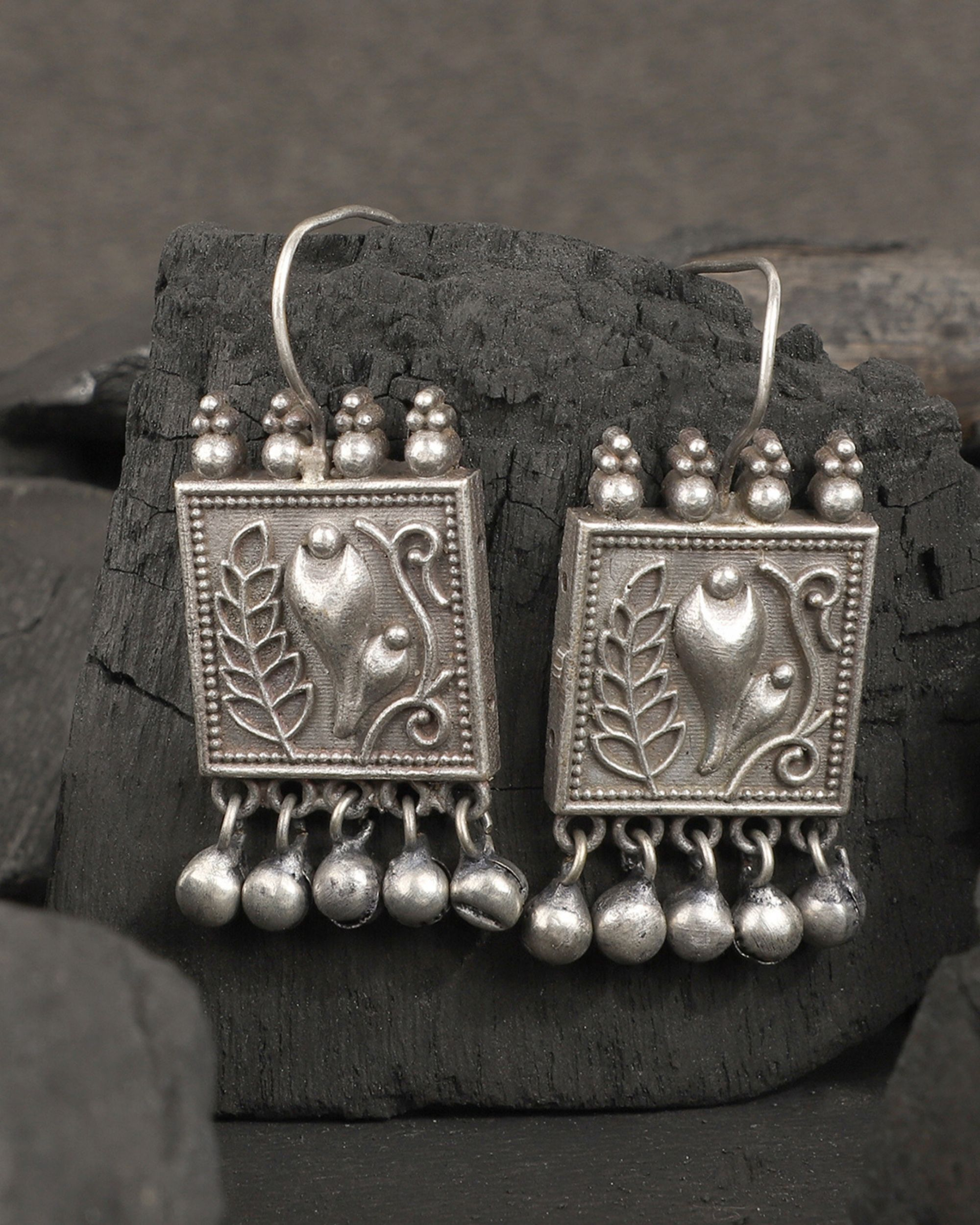 Bud and tulip earrings