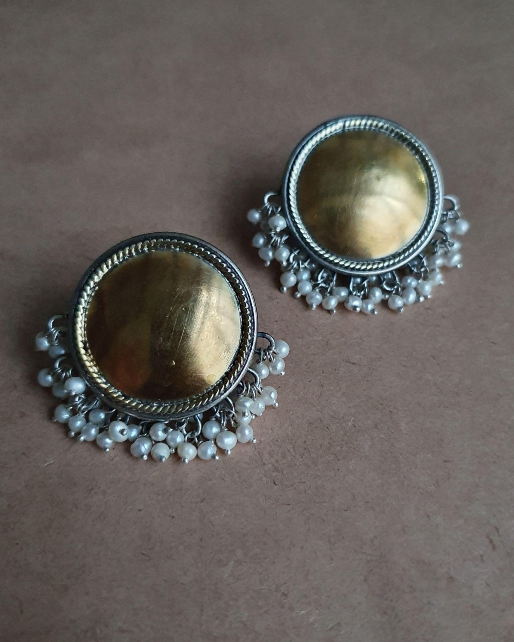 Full moon pearl earrings