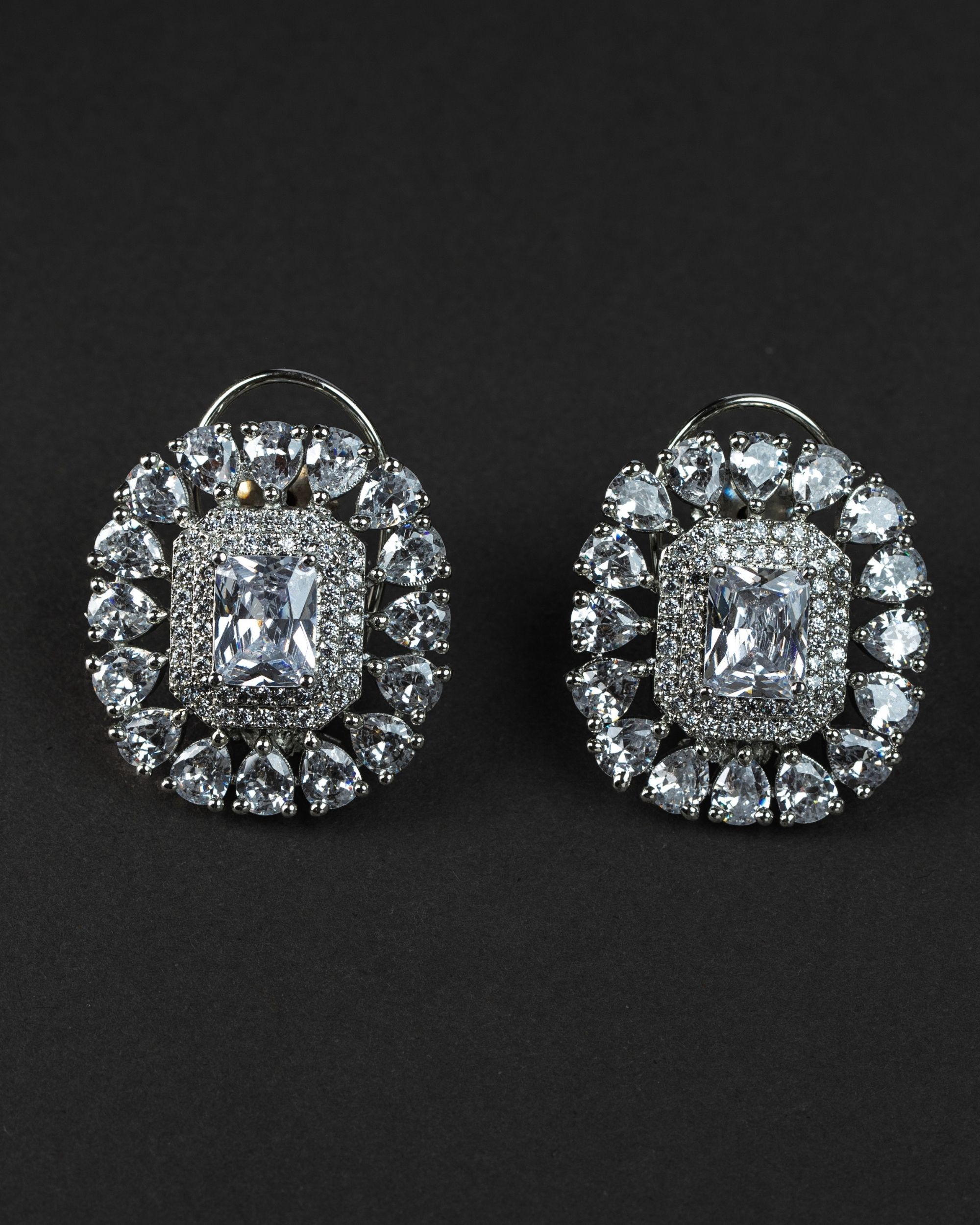 Crystal solitaire earring