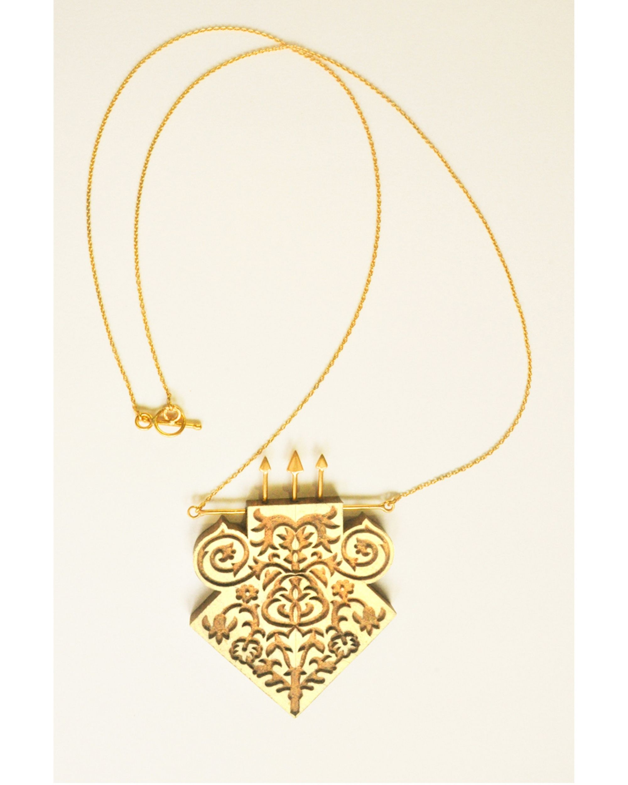 Hand crafted teak wood neckpiece