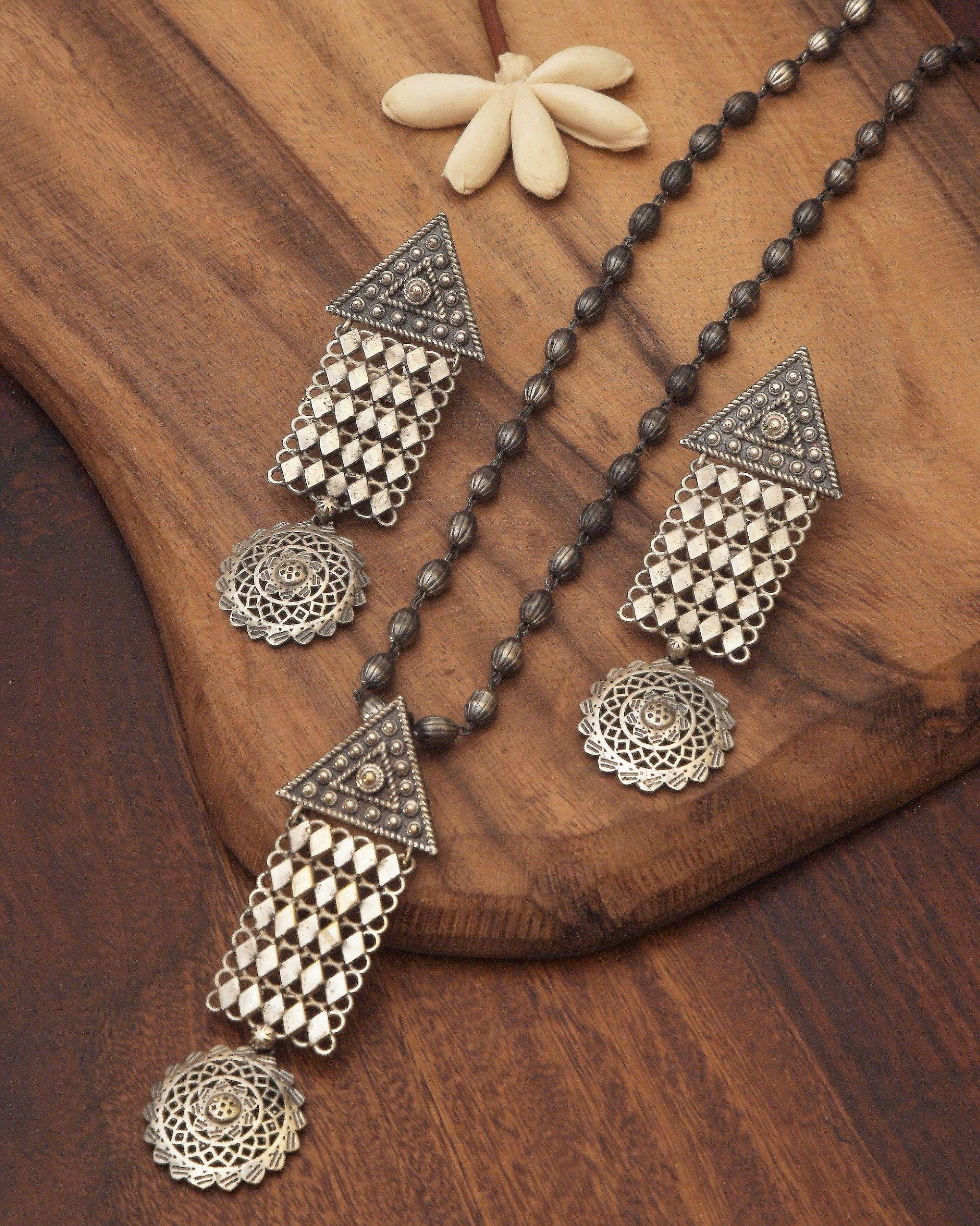 Geometric drop down jaal necklace & earrings - set of two