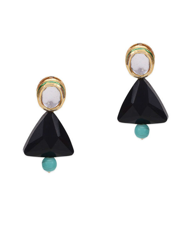 Akshi Kundan and Black Crystal Studs