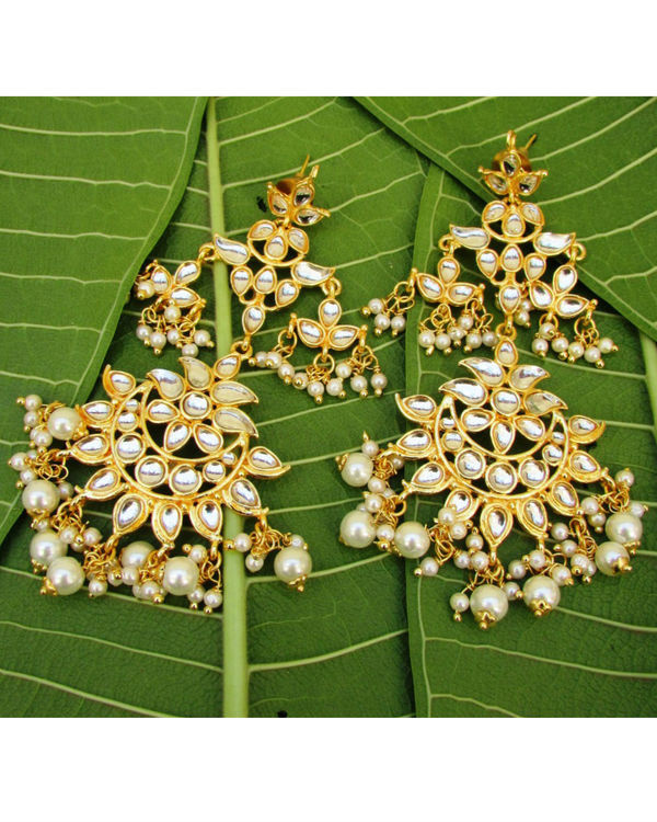 Light Weighted Kundan Earrings