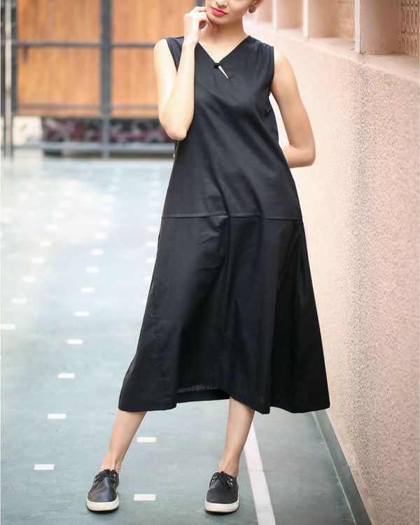 Black Keyhole Neckline Dress