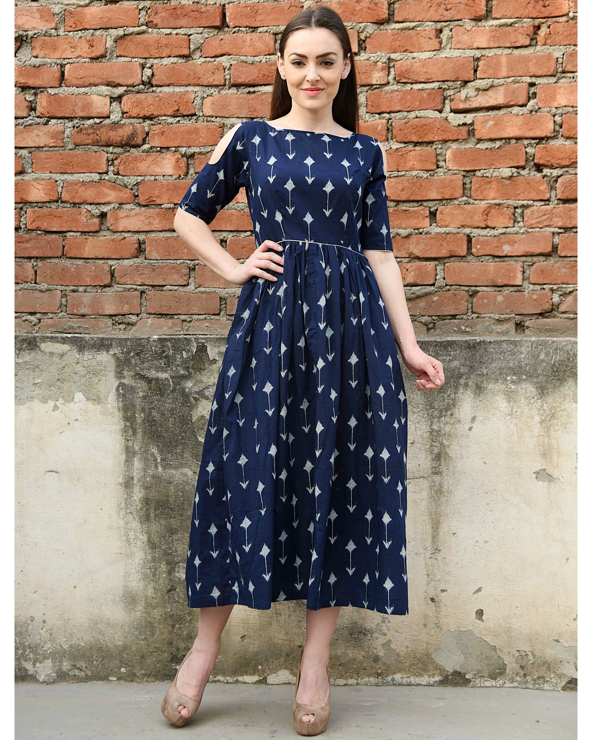 Navy arrow cold shoulder dress