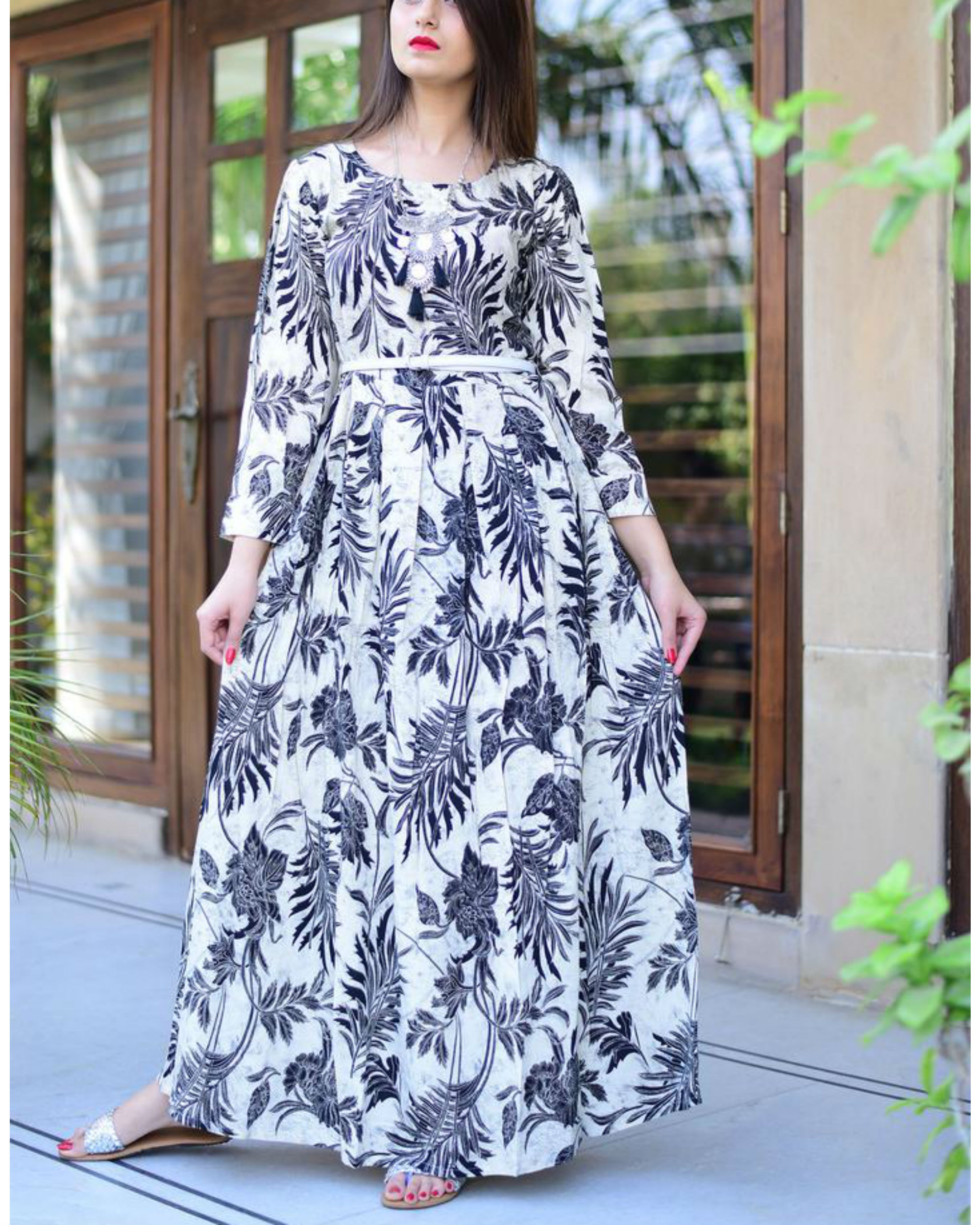 Black and white floral dress by thread and button the secret label black and white floral dress izmirmasajfo