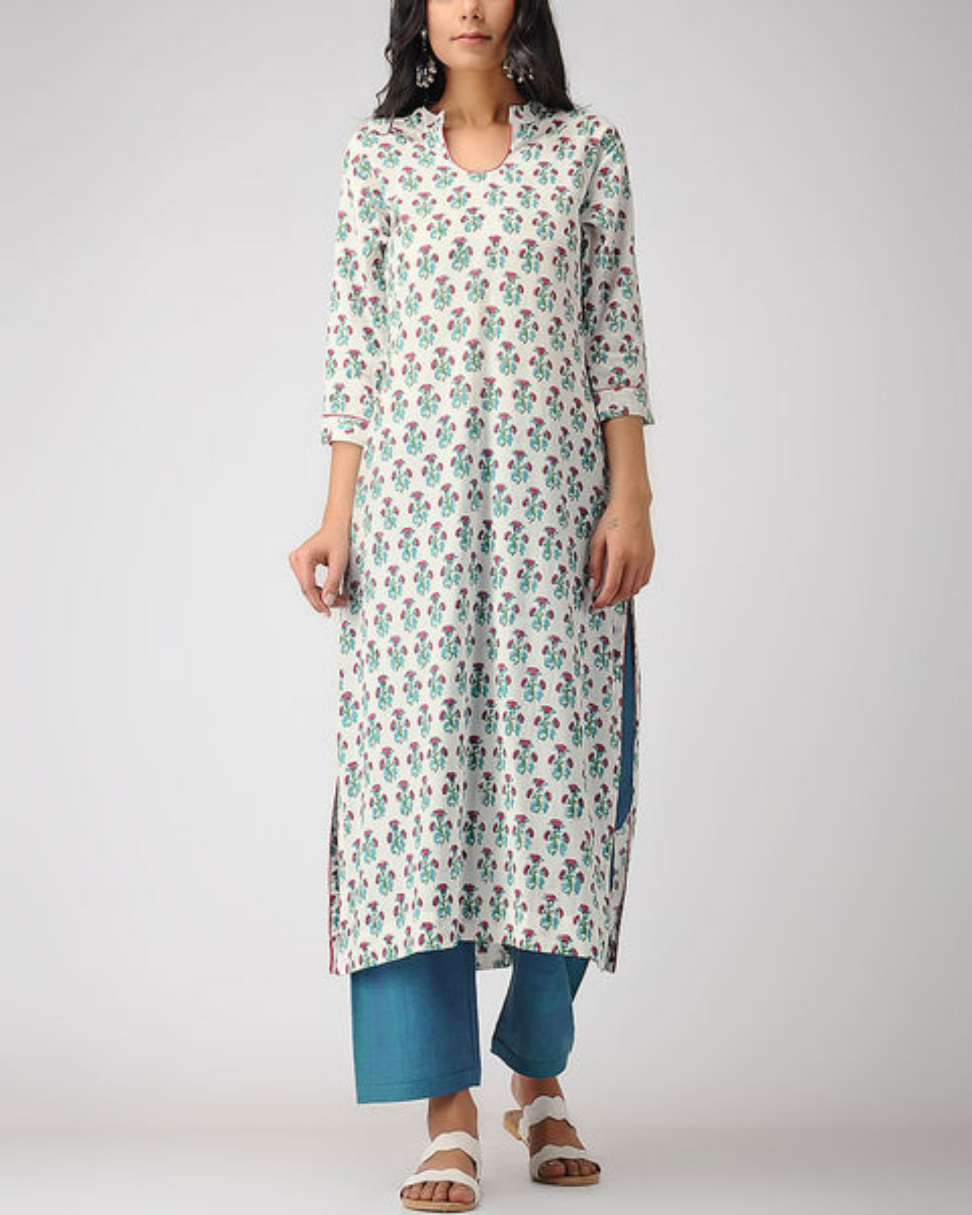 Notched mogra kurta