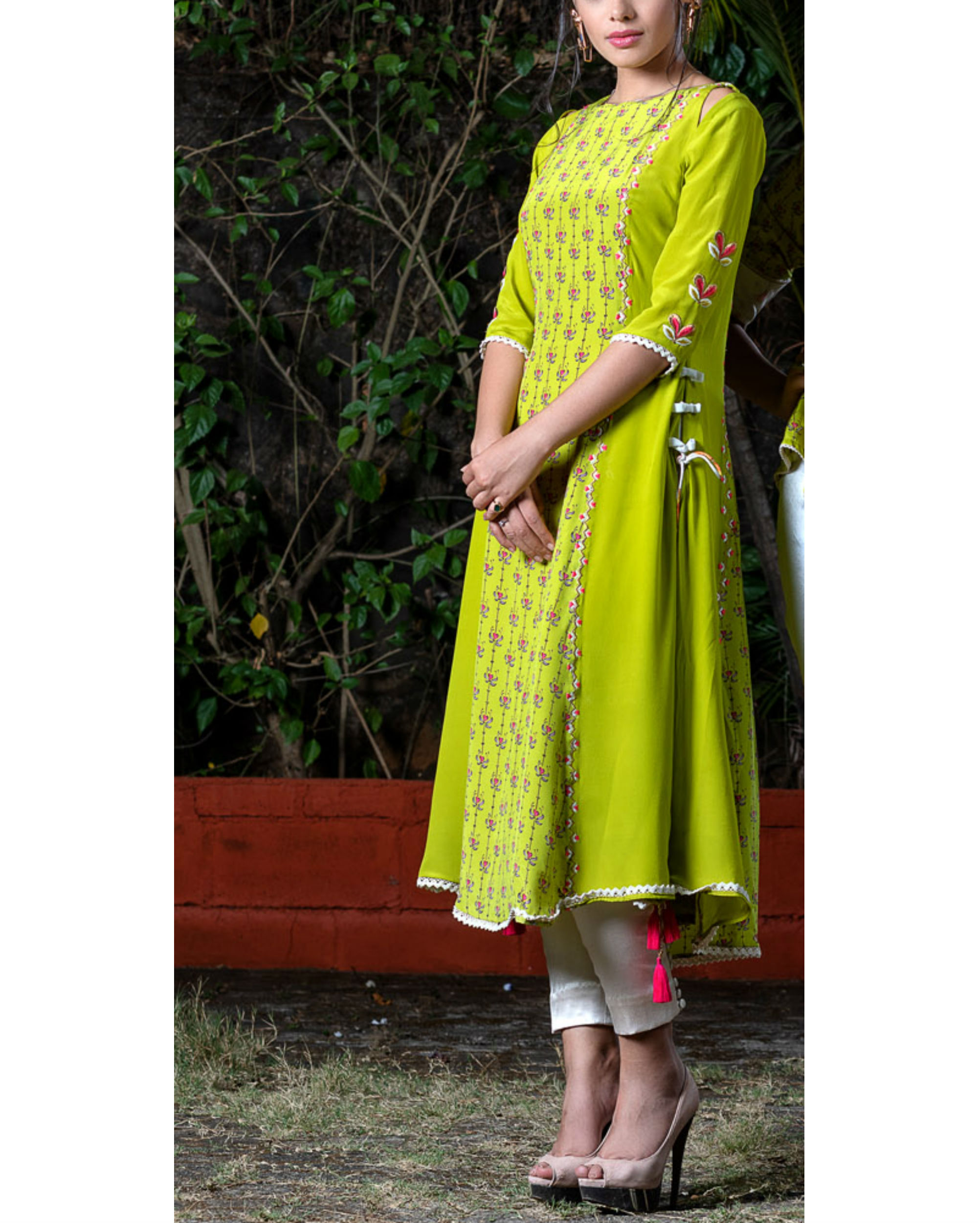 Green printed kurta and offwhite pant