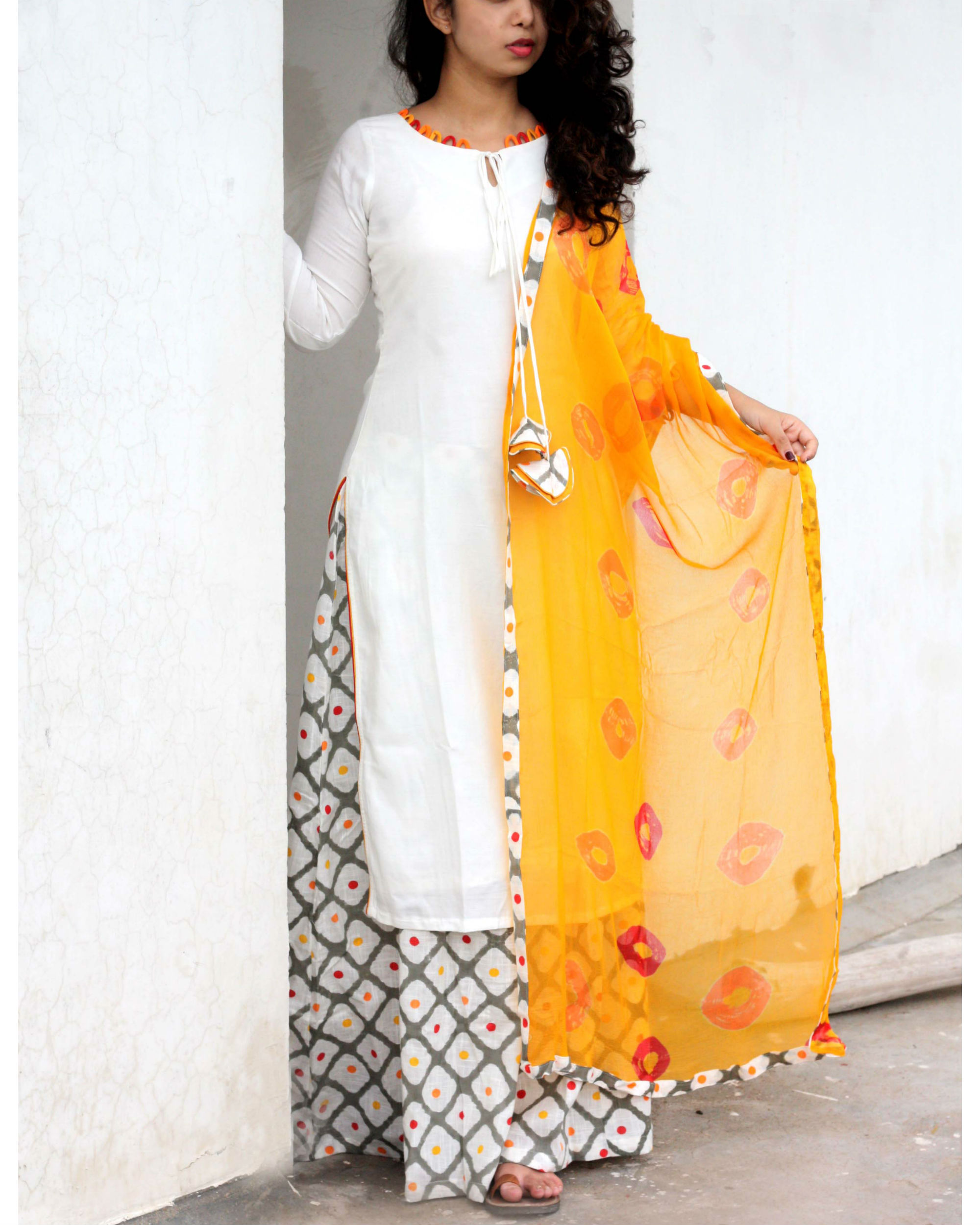 Ihram Kids For Sale Dubai: Off White Kurta With Printed Palazzo And Bandhej Dupatta