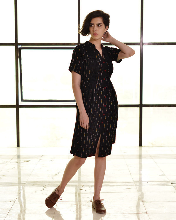 Classic fitted shirt dress in ikat
