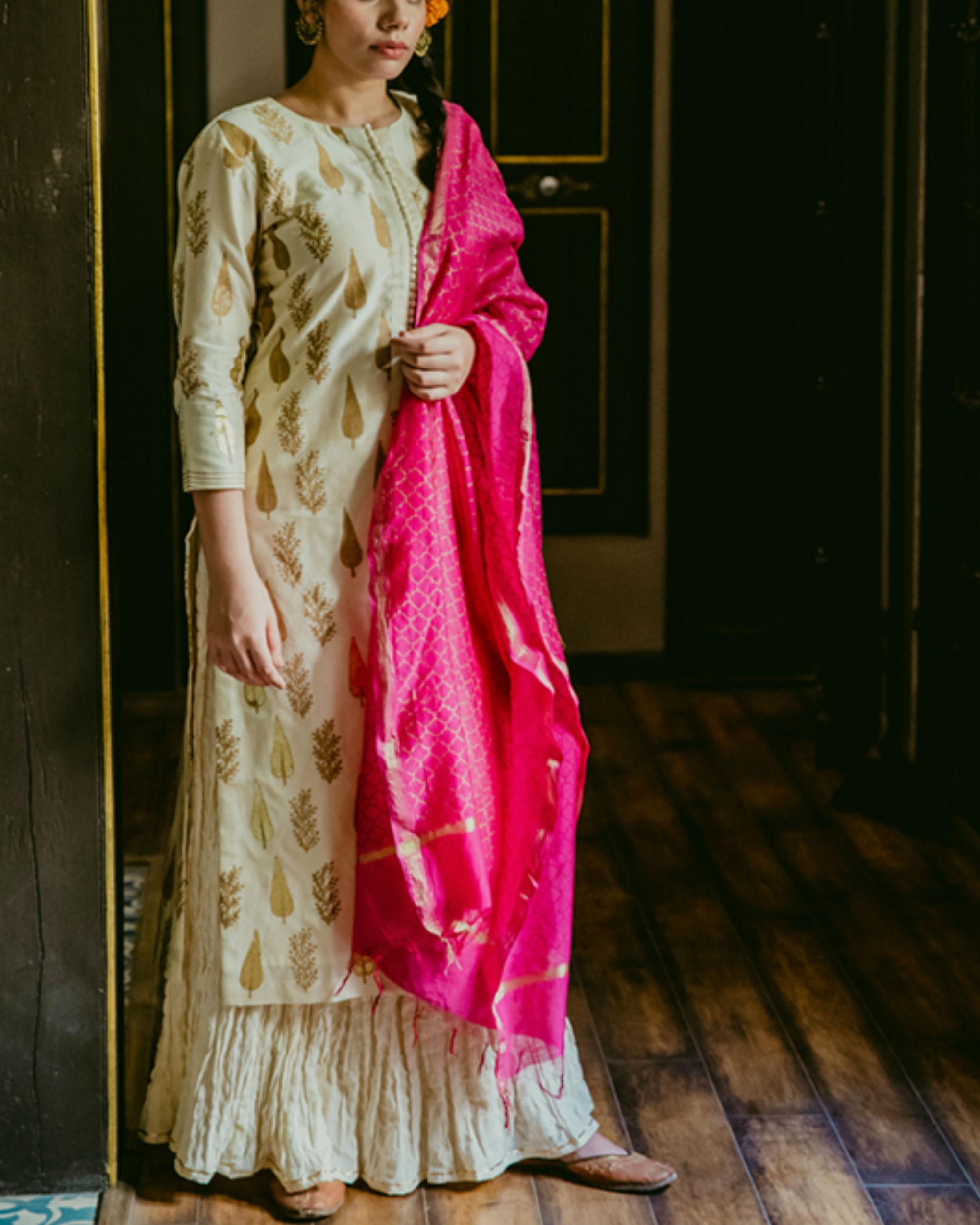 Chandi Mughal Kurta Set with Dupatta