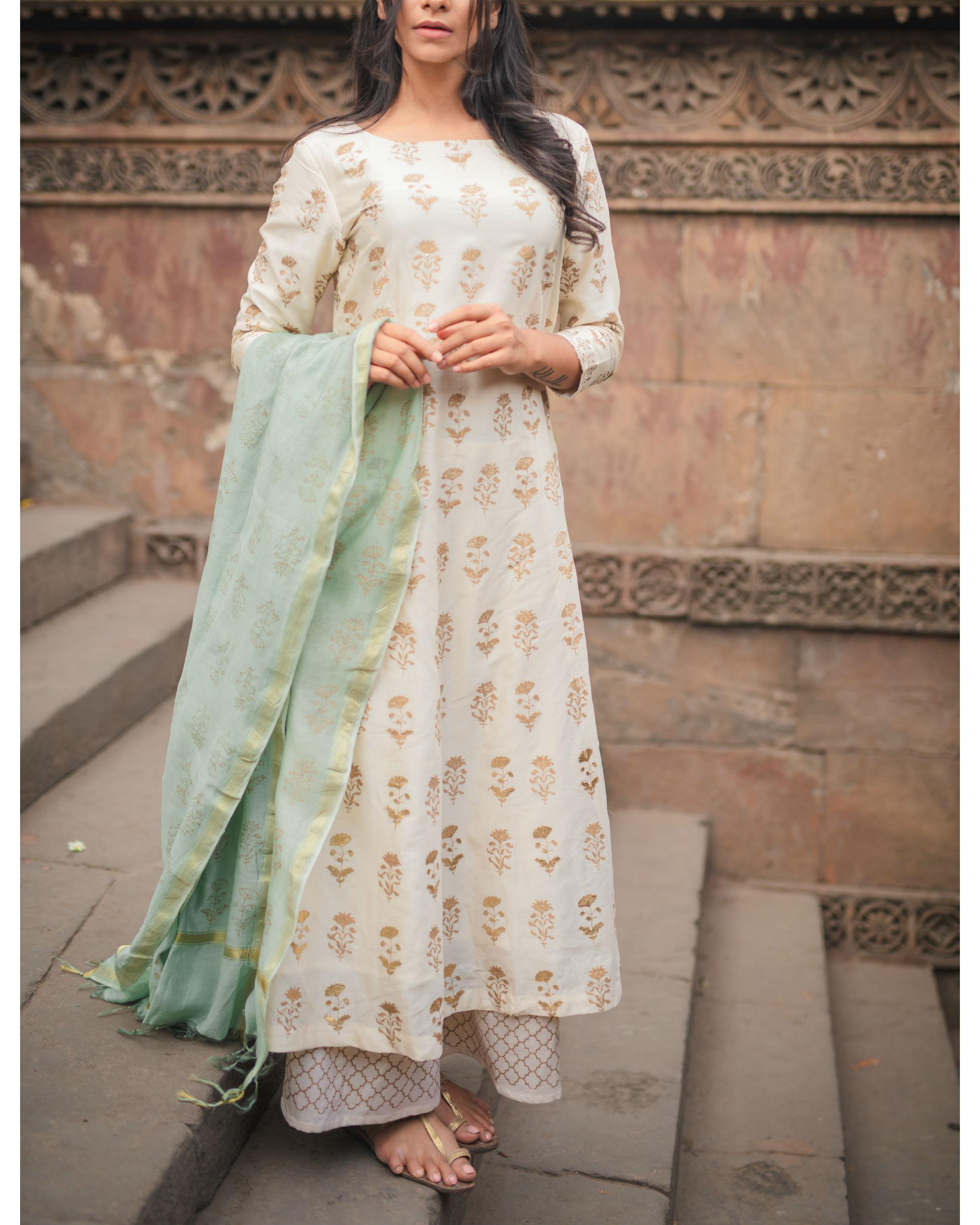 Chandi Ghera Kurta Set with Dupatta