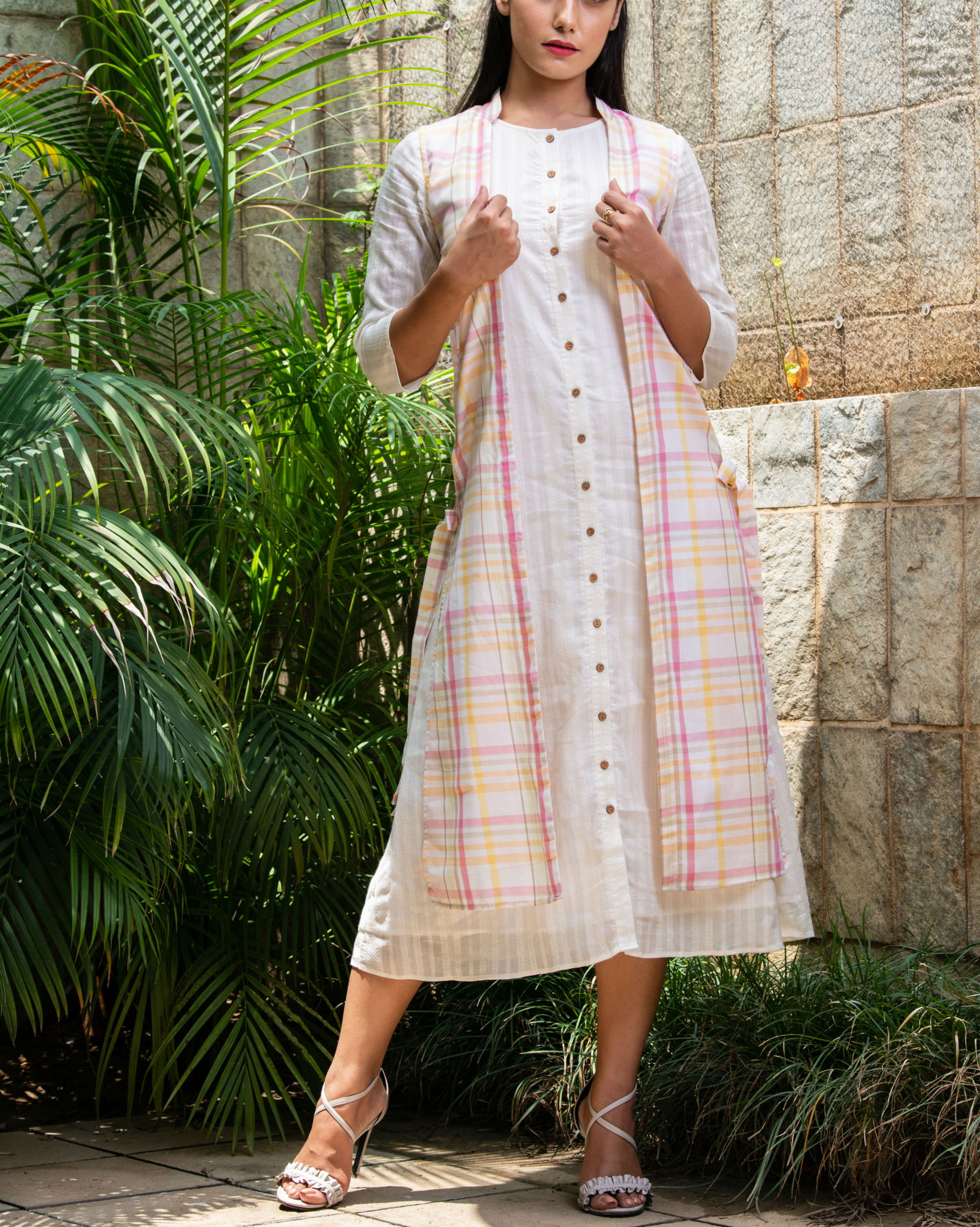 Cotton kurta with checks jacket