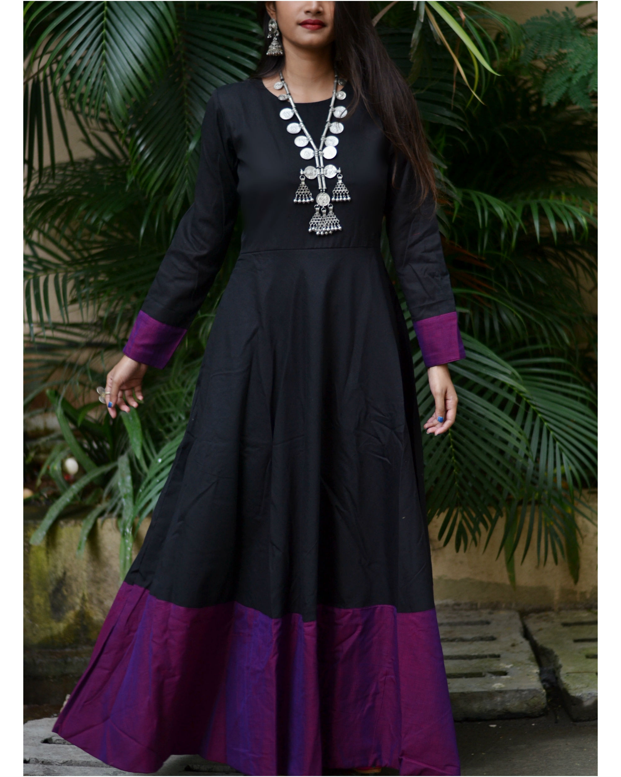Black purple border dress