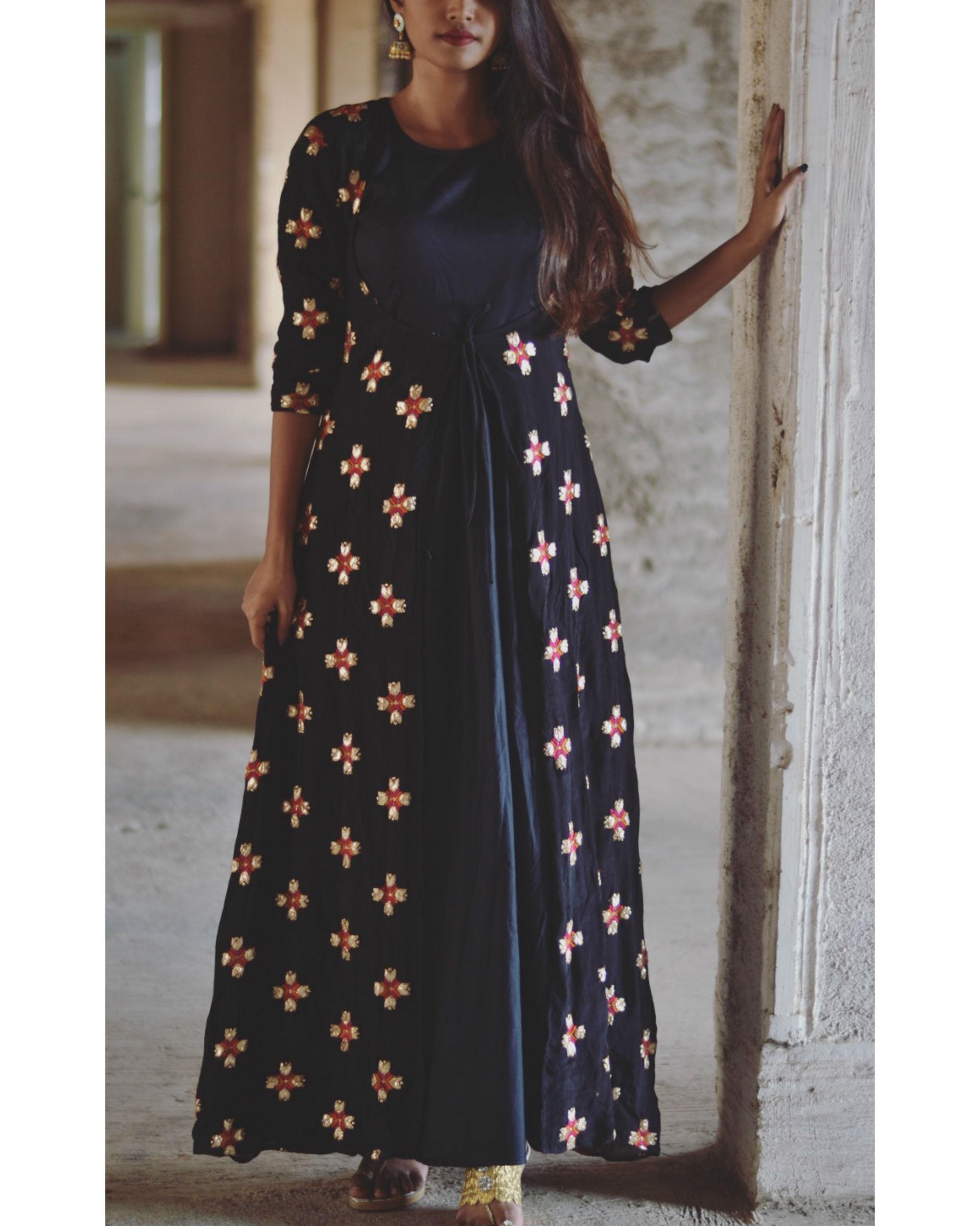 Black phulkari motif cape set