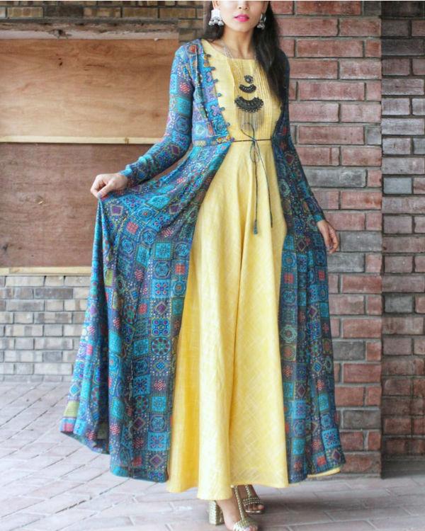 Yellow blue printed cape set