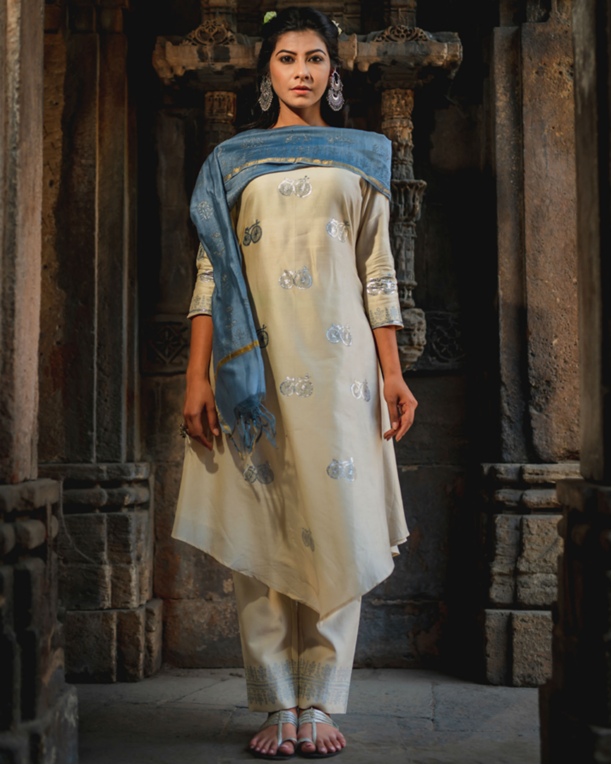 Ivory cycle printed kurta set with dupatta