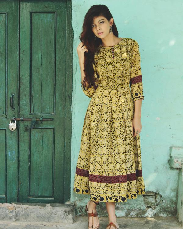 Vintage flora midi dress
