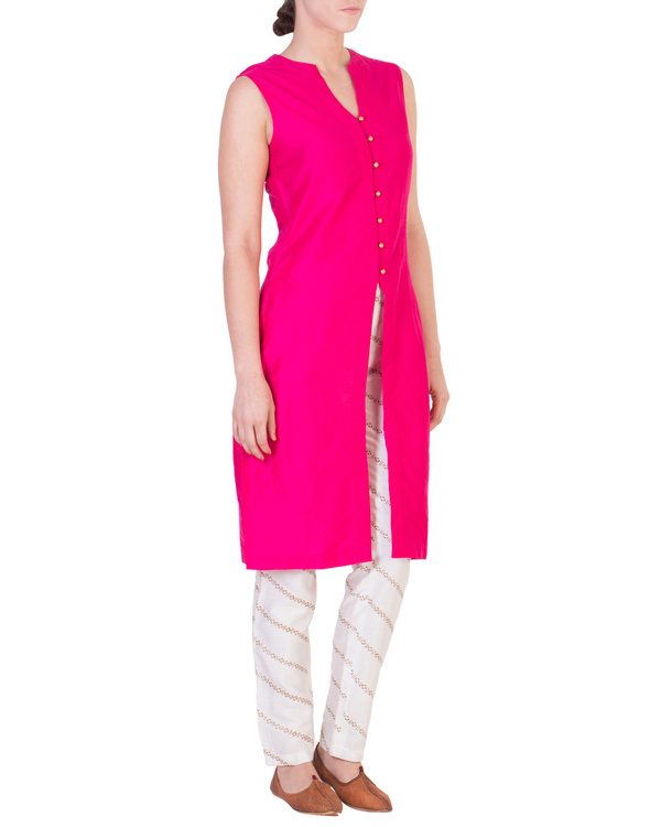 Pink solid straight tunic with tapered printed pants in off white
