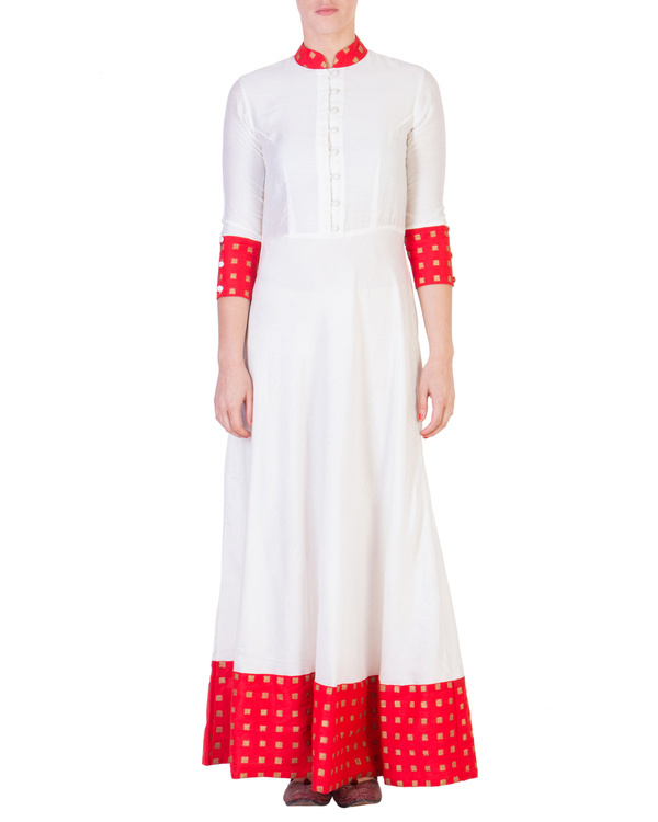 Floor length dress with red detailing