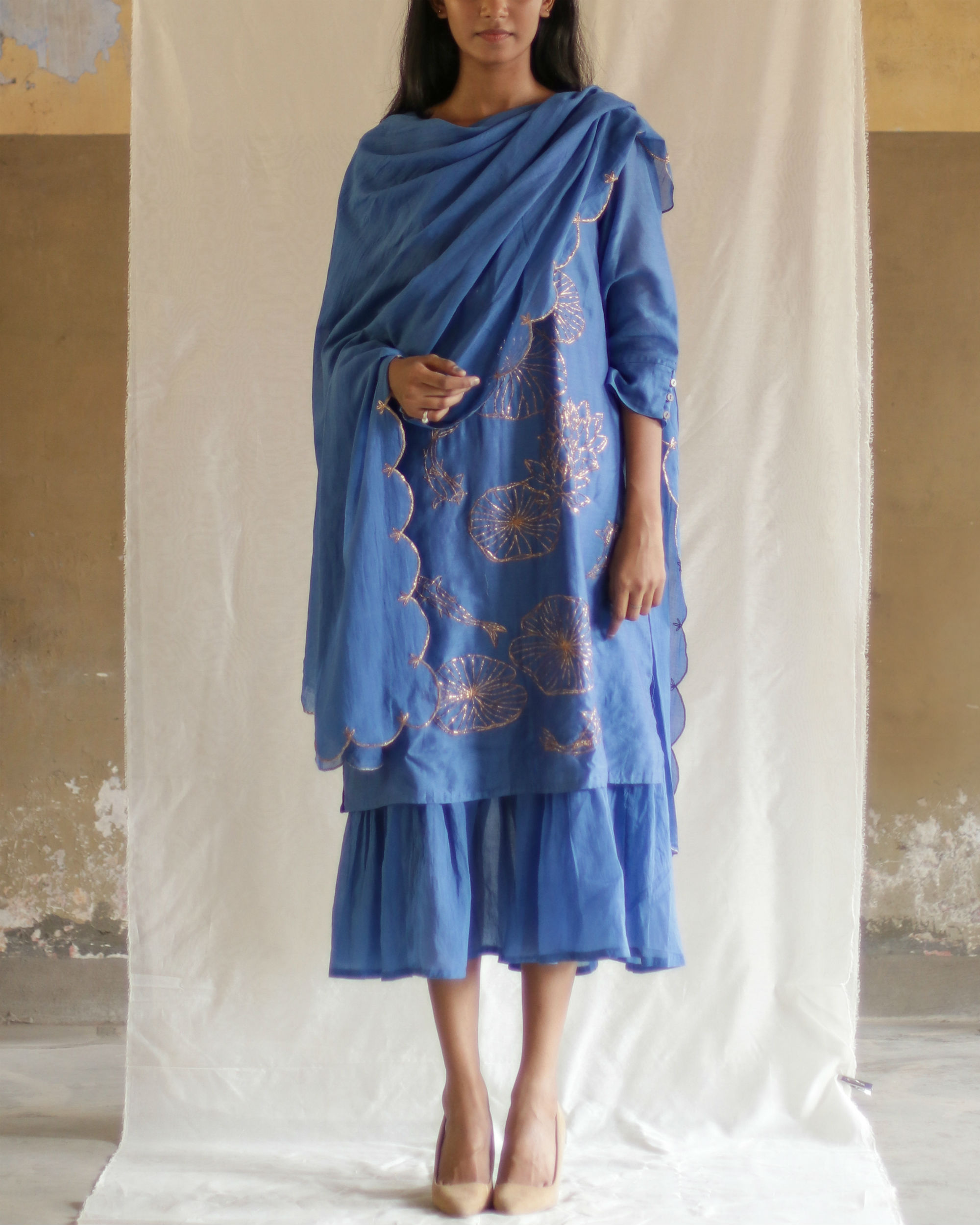 Blue pond kurta with gathered inner