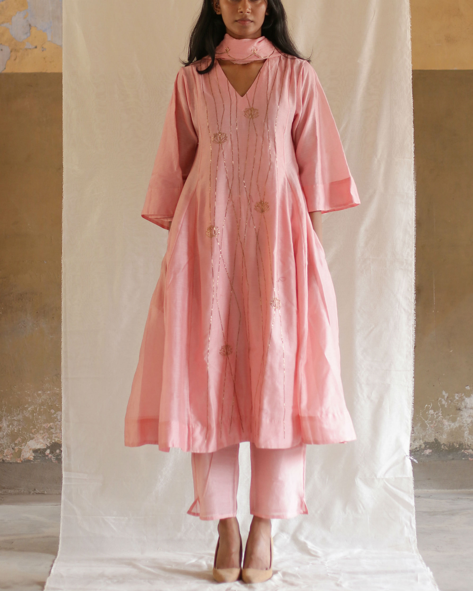 Pink linear embroidery kurta with pants
