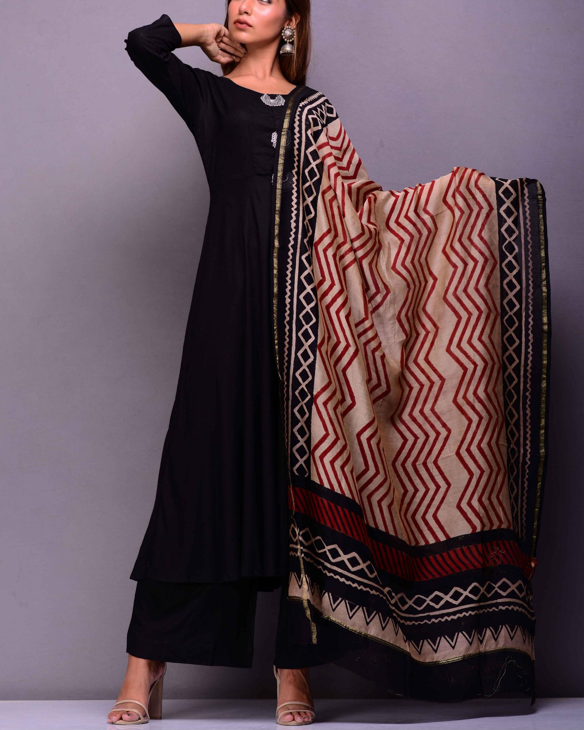 Black kurta set with printed dupatta