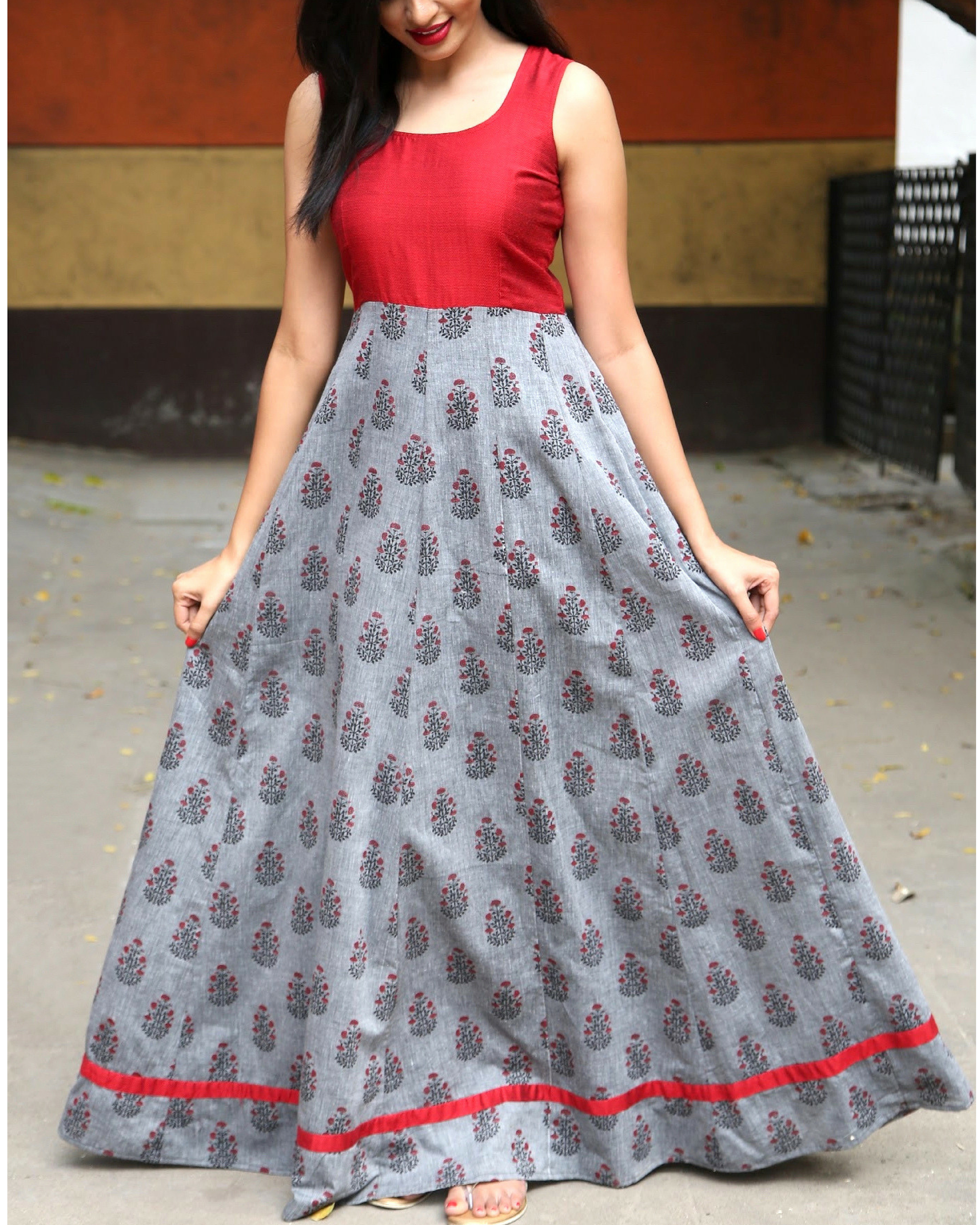 0272047593d6 Printed sleeveless dress by The Anarkali Shop
