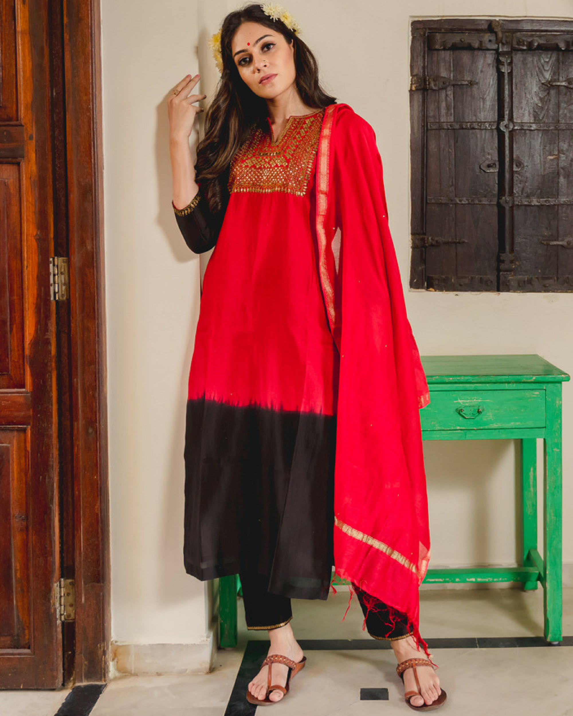 Naaz aari chanderi kurta set with dupatta