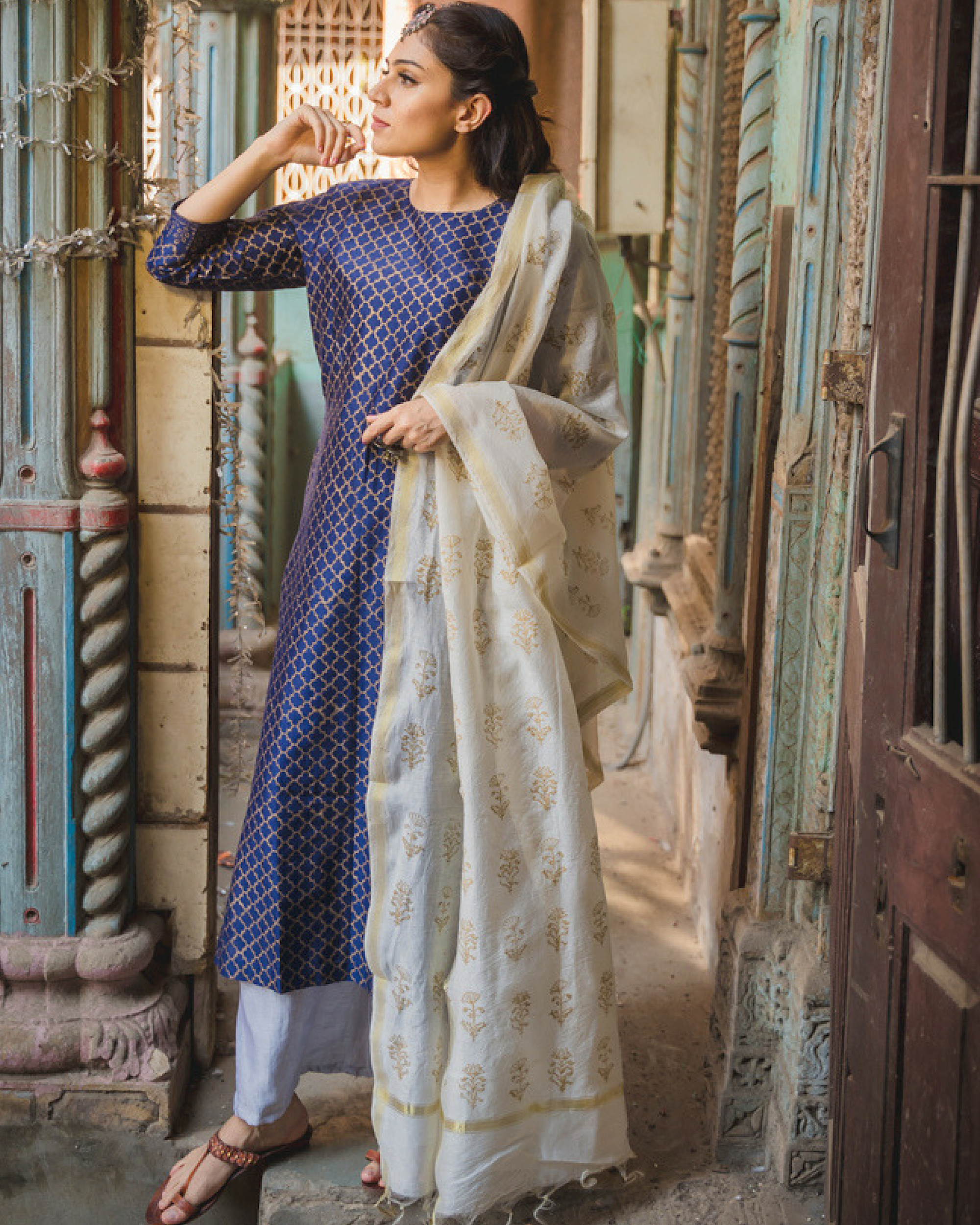 Amira jaali kurta set with dupatta