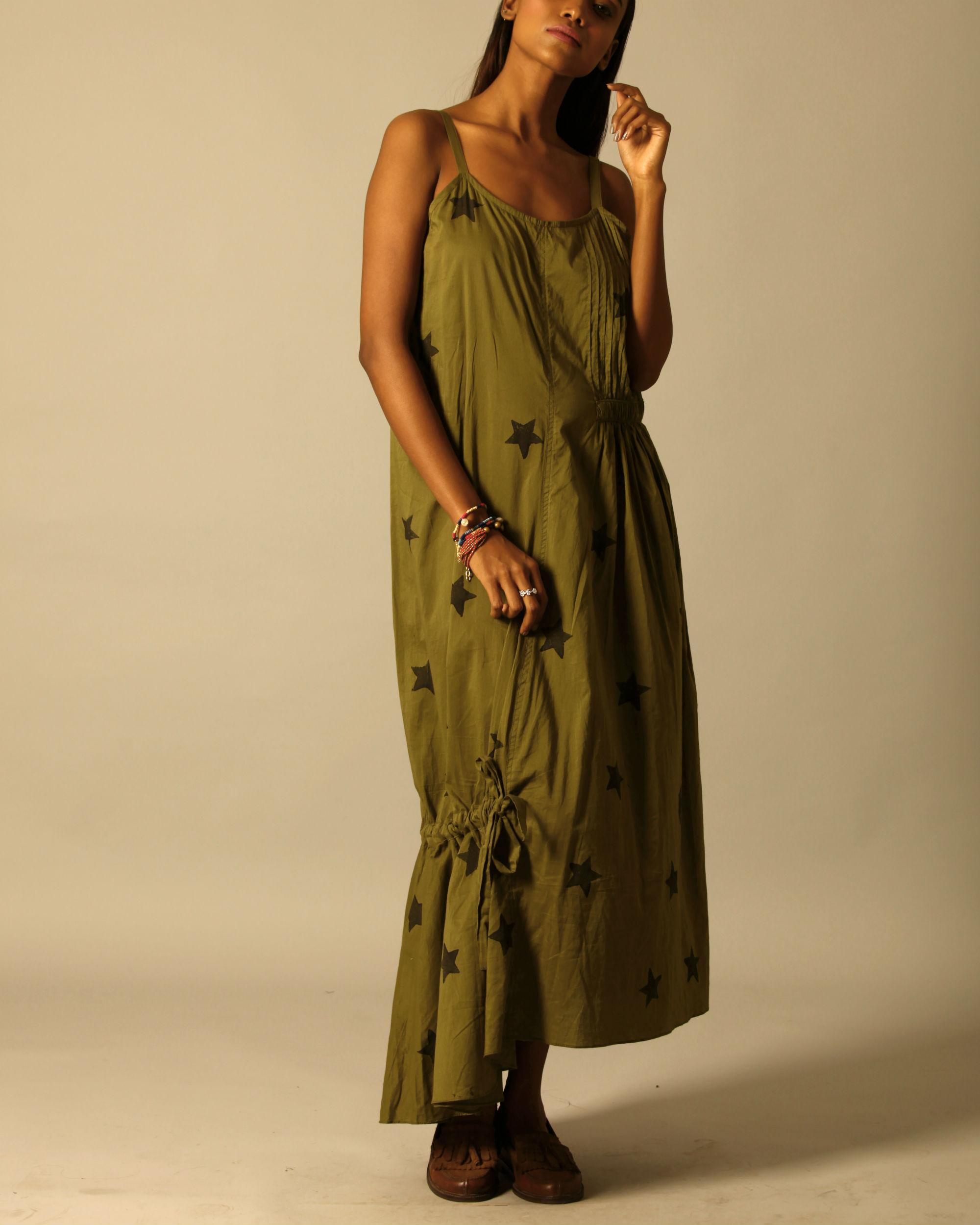 Green star print dress