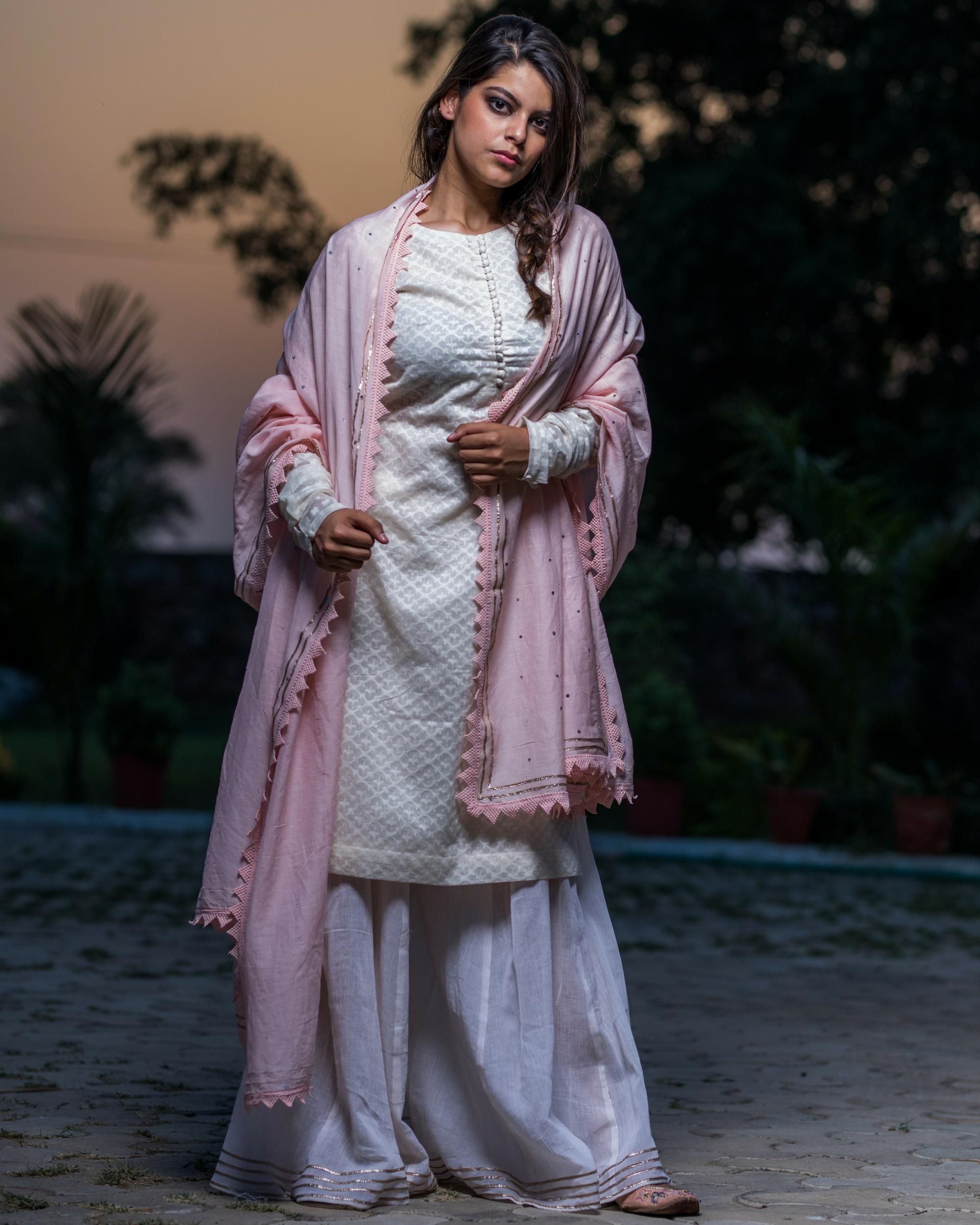 Ivory chanderi kurta with pants