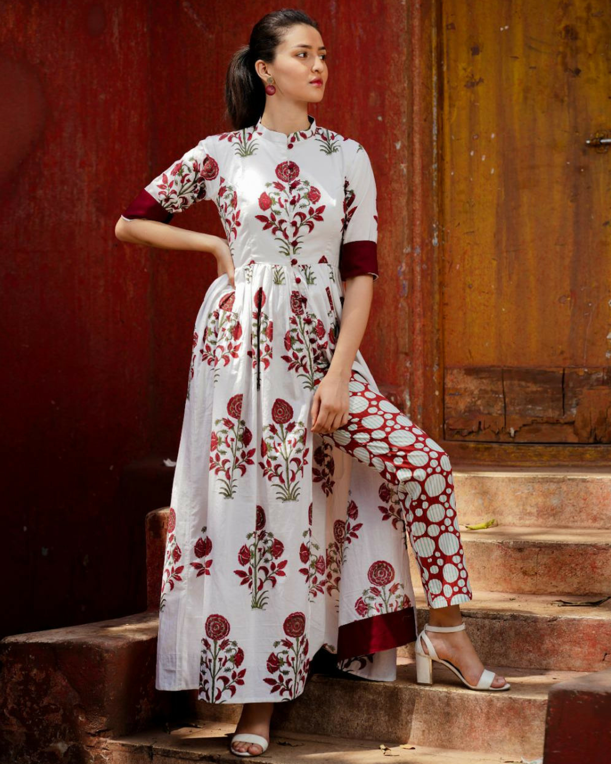 Maroon mughal boota printed cape with pants